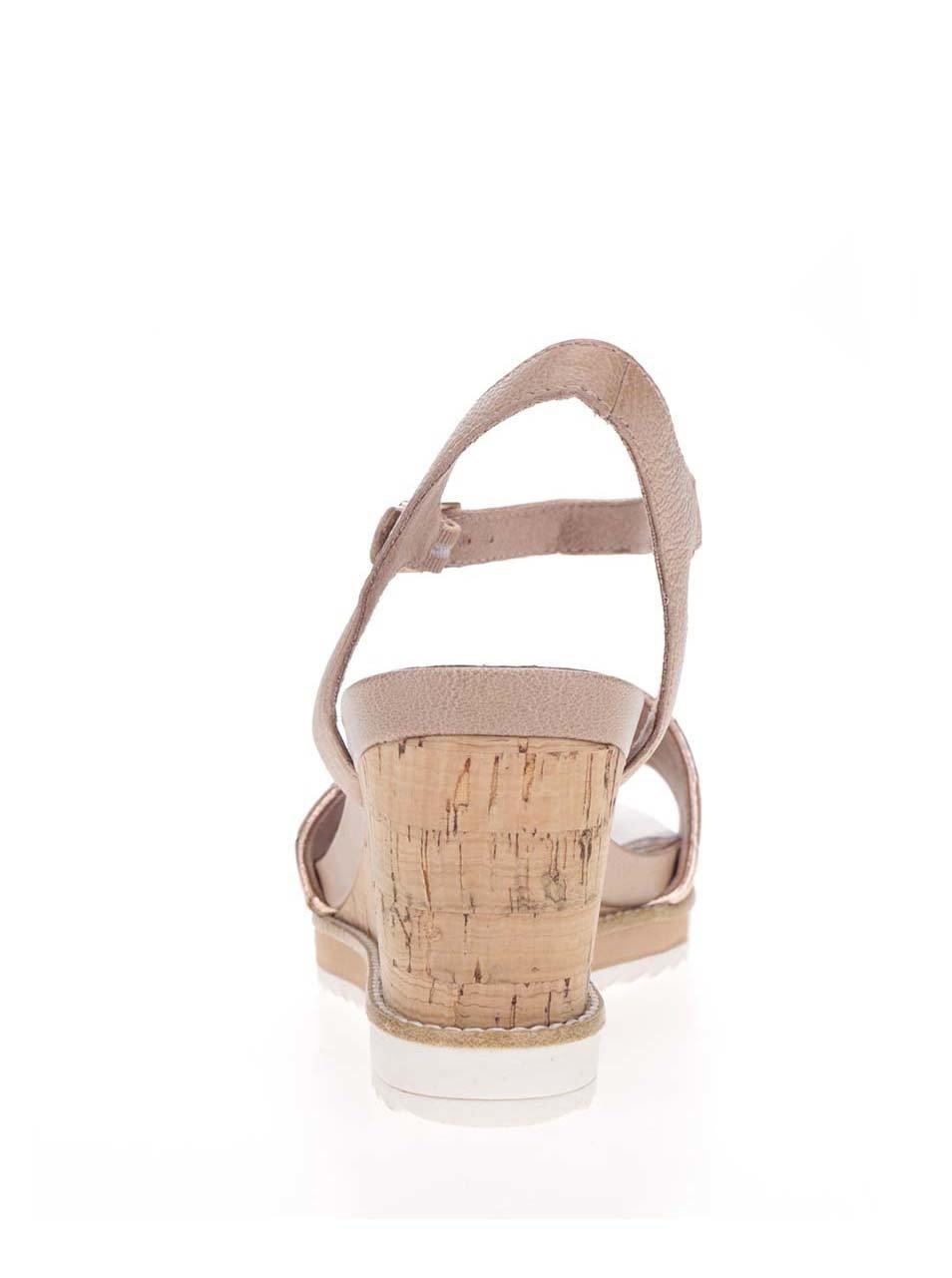 dcdabea7f508 Kožené sandále v ružovozlatej farbe na korkovej platforme Tamaris ...