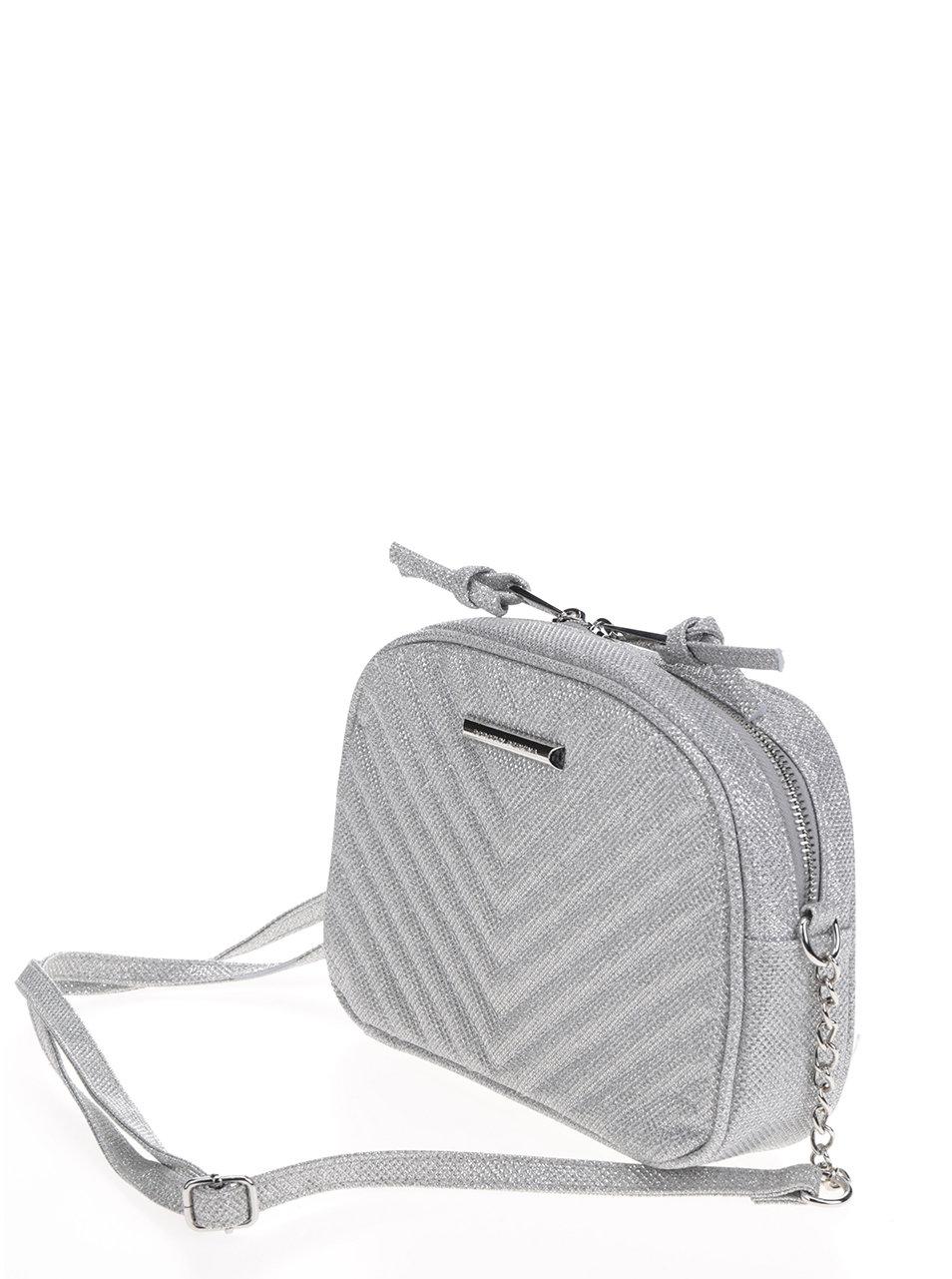 Trblietavá prešívaná crossbody kabelka v striebornej farbe Dorothy Perkins  ... 845b41e52a8
