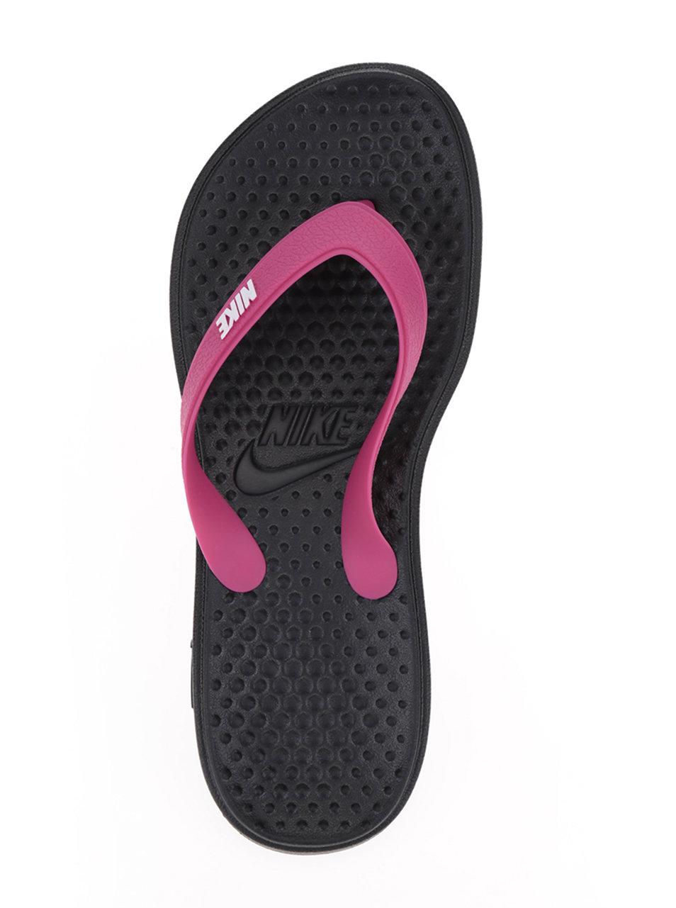 4cda07a0ae3 Černo-růžové dámské žabky Nike Solay Thong ...