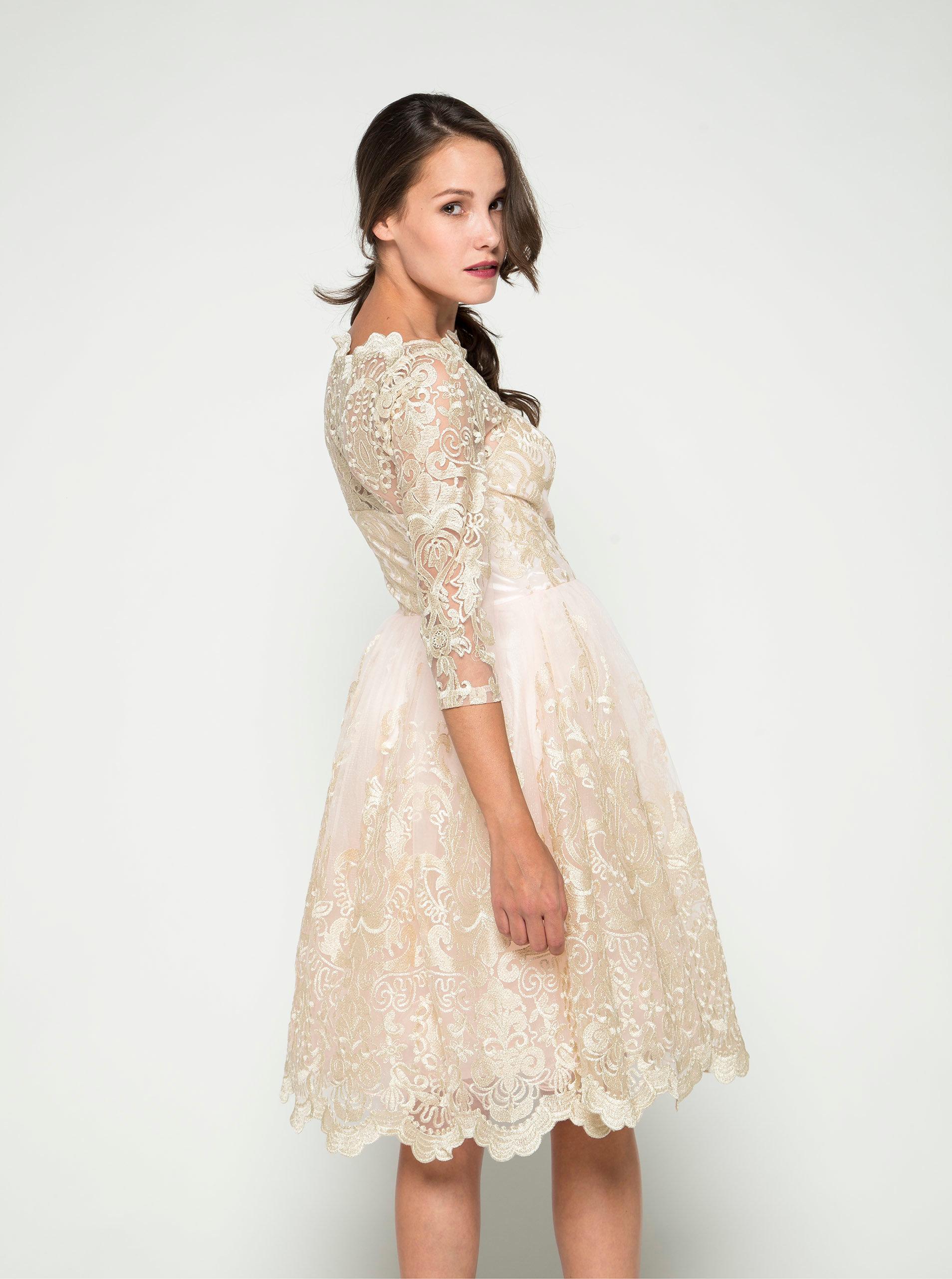 d8665ad0c7cd Světle růžové krajkové šaty s 3 4 rukávy Chi Chi London ...