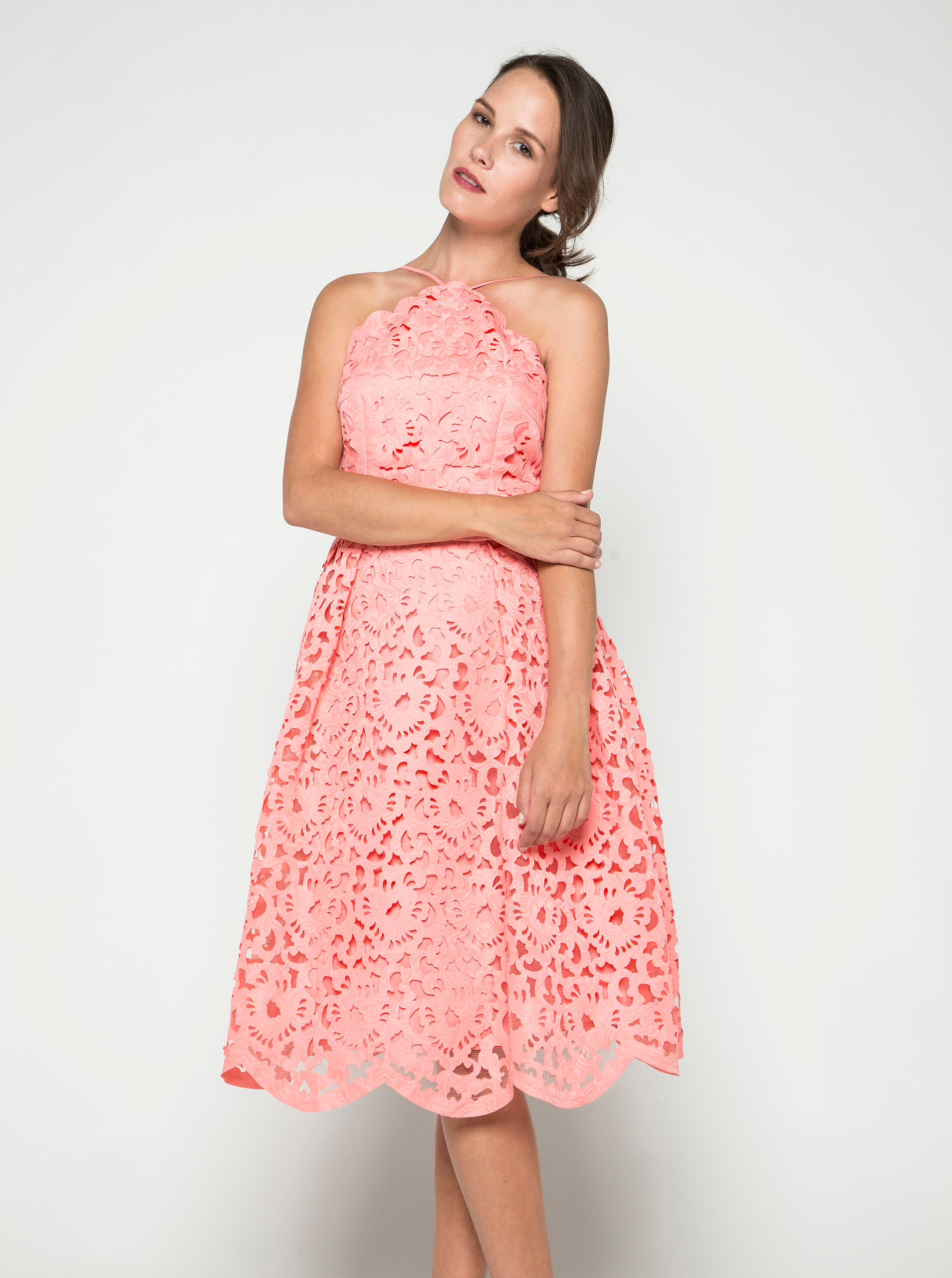 eddc0a2cf77 Růžové krajkové šaty Chi Chi London ...