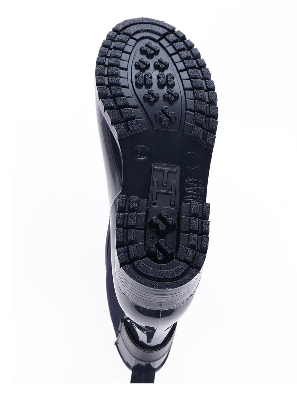 50c87a439a9 ... Tmavě modré dámské gumové chelsea boty s detaily ve zlaté barvě Tommy  Hilfiger Oxley