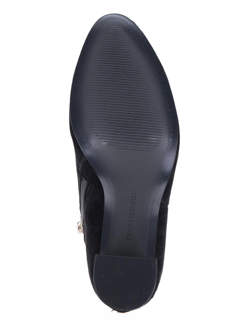 d59b05b6dcd Černé dámské semišové boty na podpatku Tommy Hilfiger Shu ...