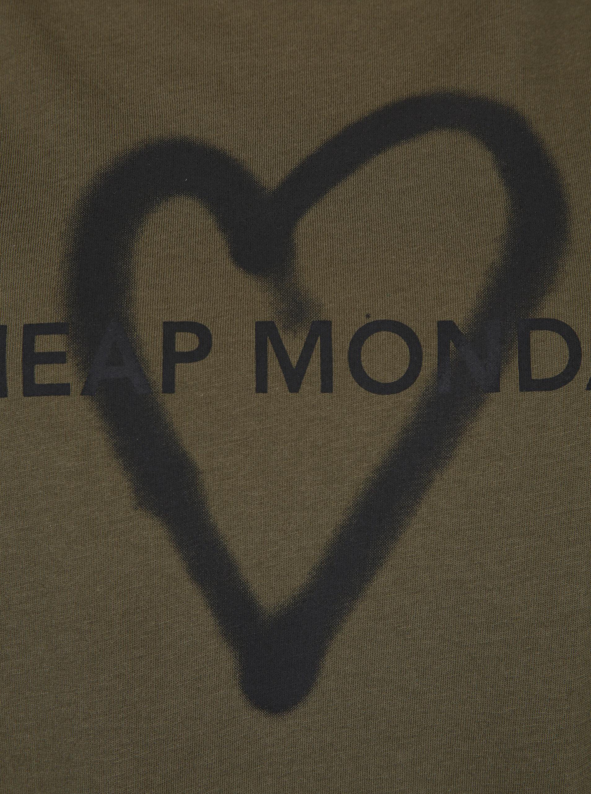 7839bb9ac41 Kaki dámske voľné tričko s potlačou Cheap Monday Love   ZOOT.sk