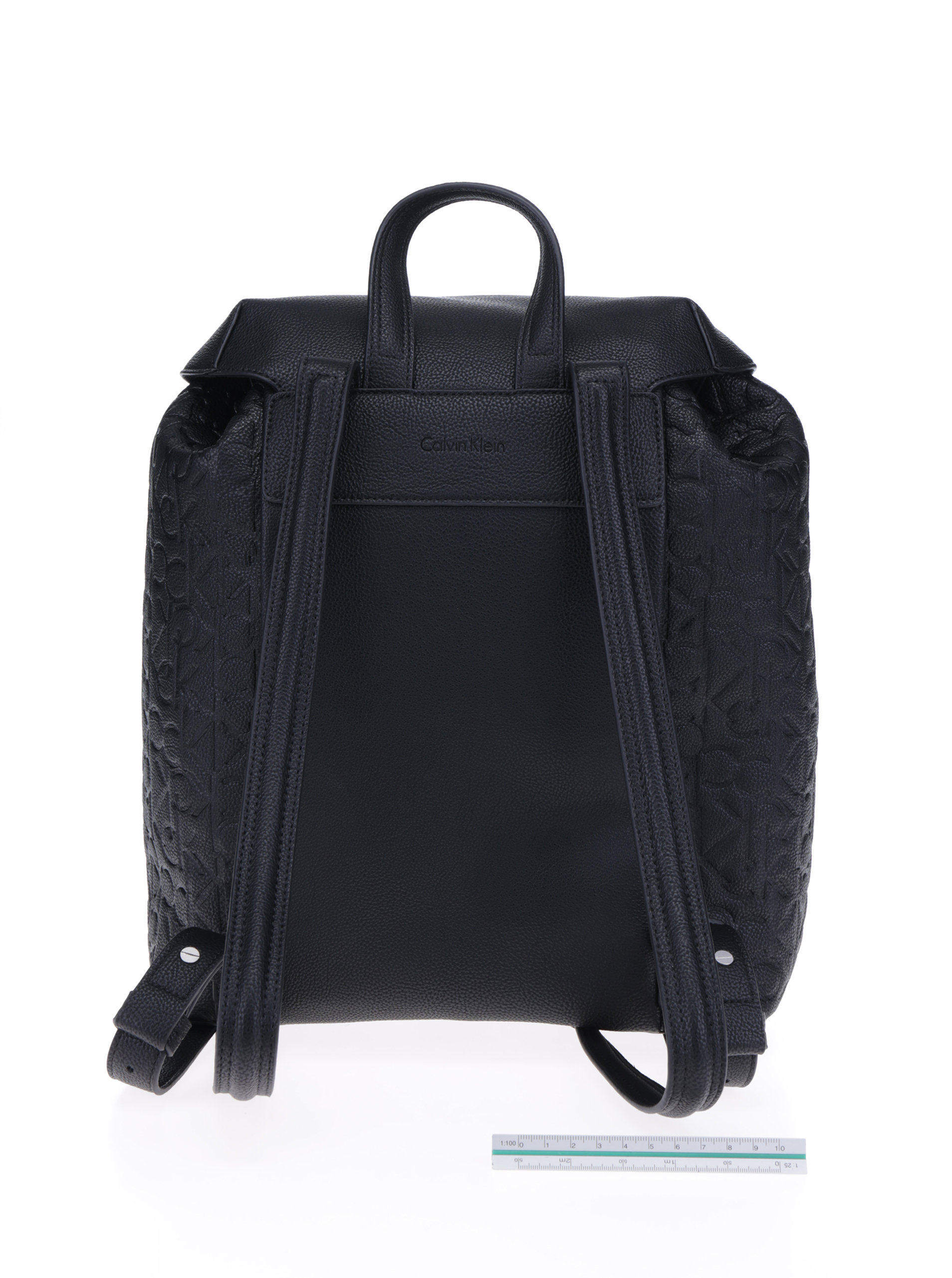318d5fb740 Černý dámský batoh se strukturovanými detaily Calvin Klein Jeans Misha ...