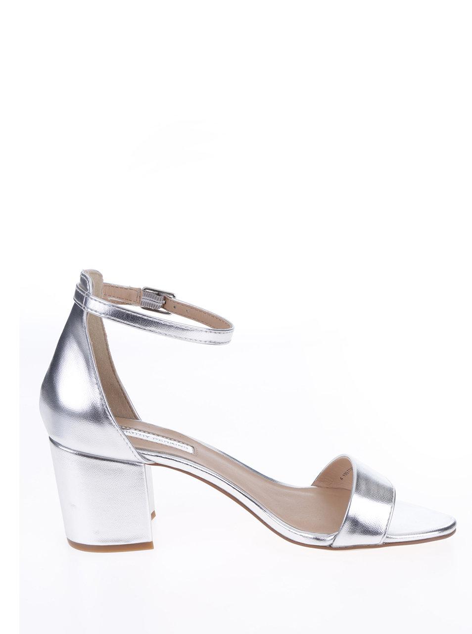 4492557b233 Lesklé sandálky ve stříbrné barvě Dorothy Perkins ...