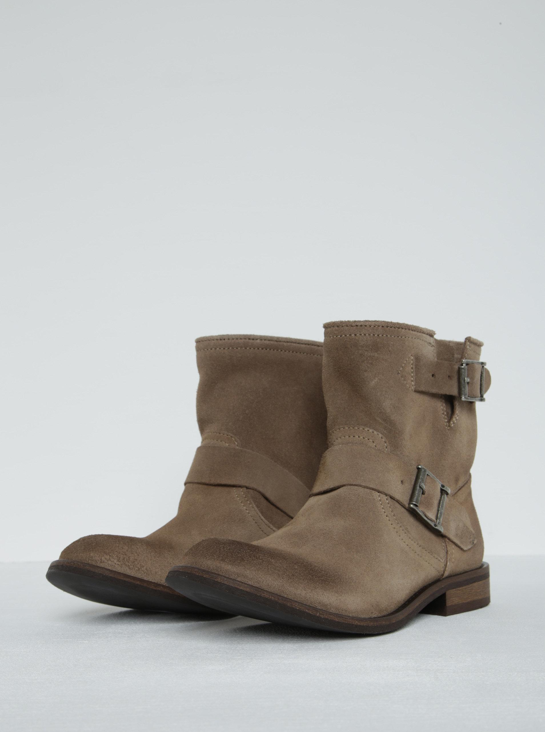 2e2e30a9fef0 Béžové semišové kotníkové boty s přezkami Pieces Petti ...