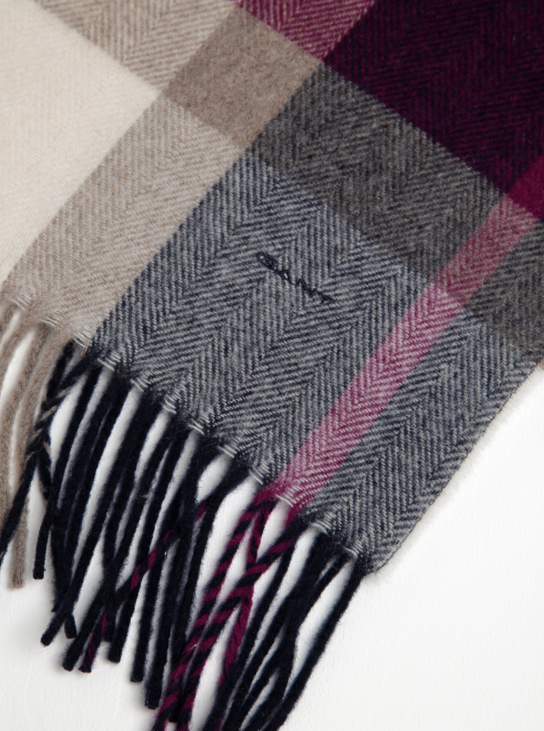 Krémovo-fialová dámská kostkovaná šála s příměsí vlny GANT ... bfb71d25d4