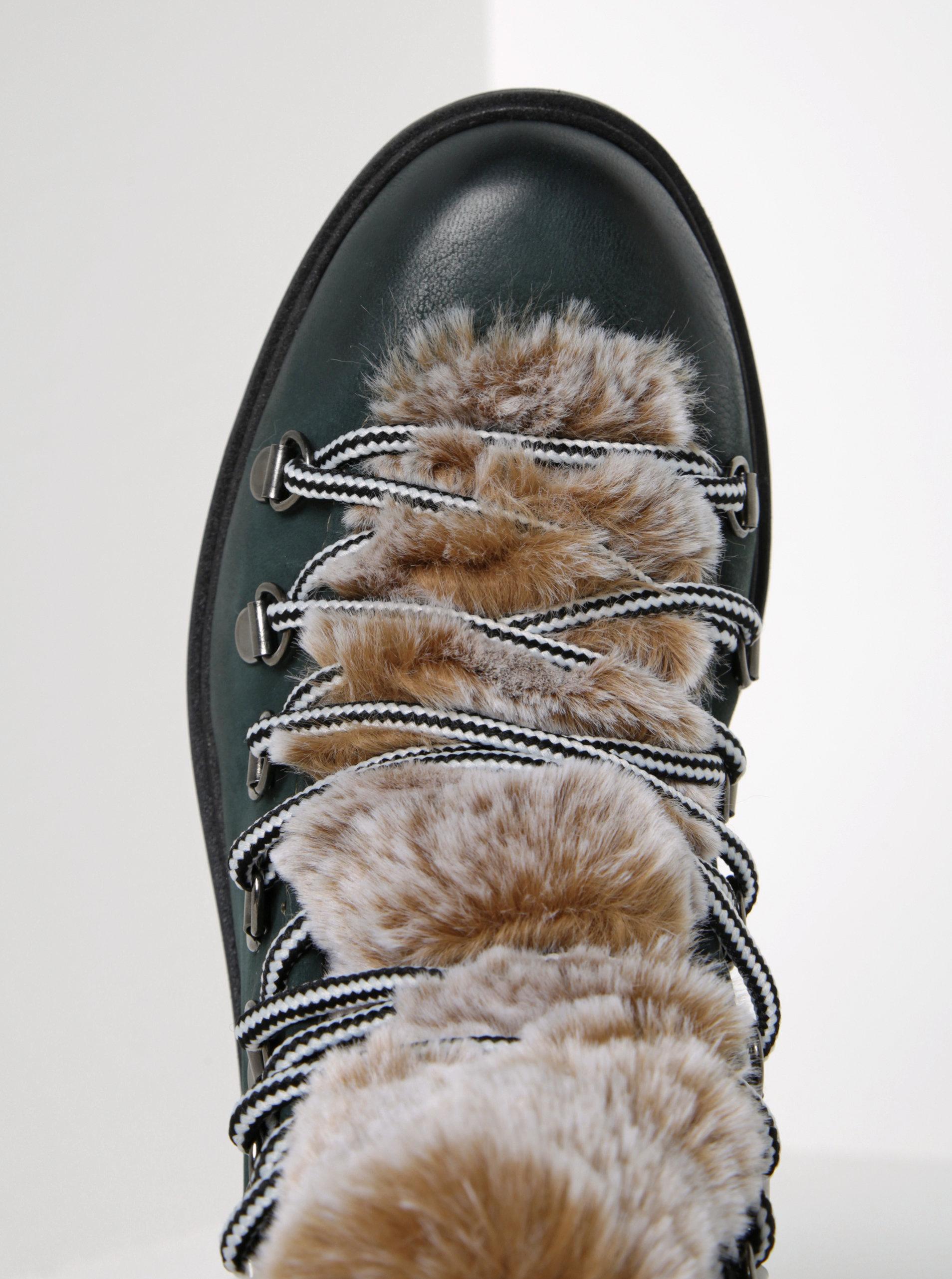 e869a9f74577 Zelené kožené členkové topánky s umelou kožušinou Tamaris ...