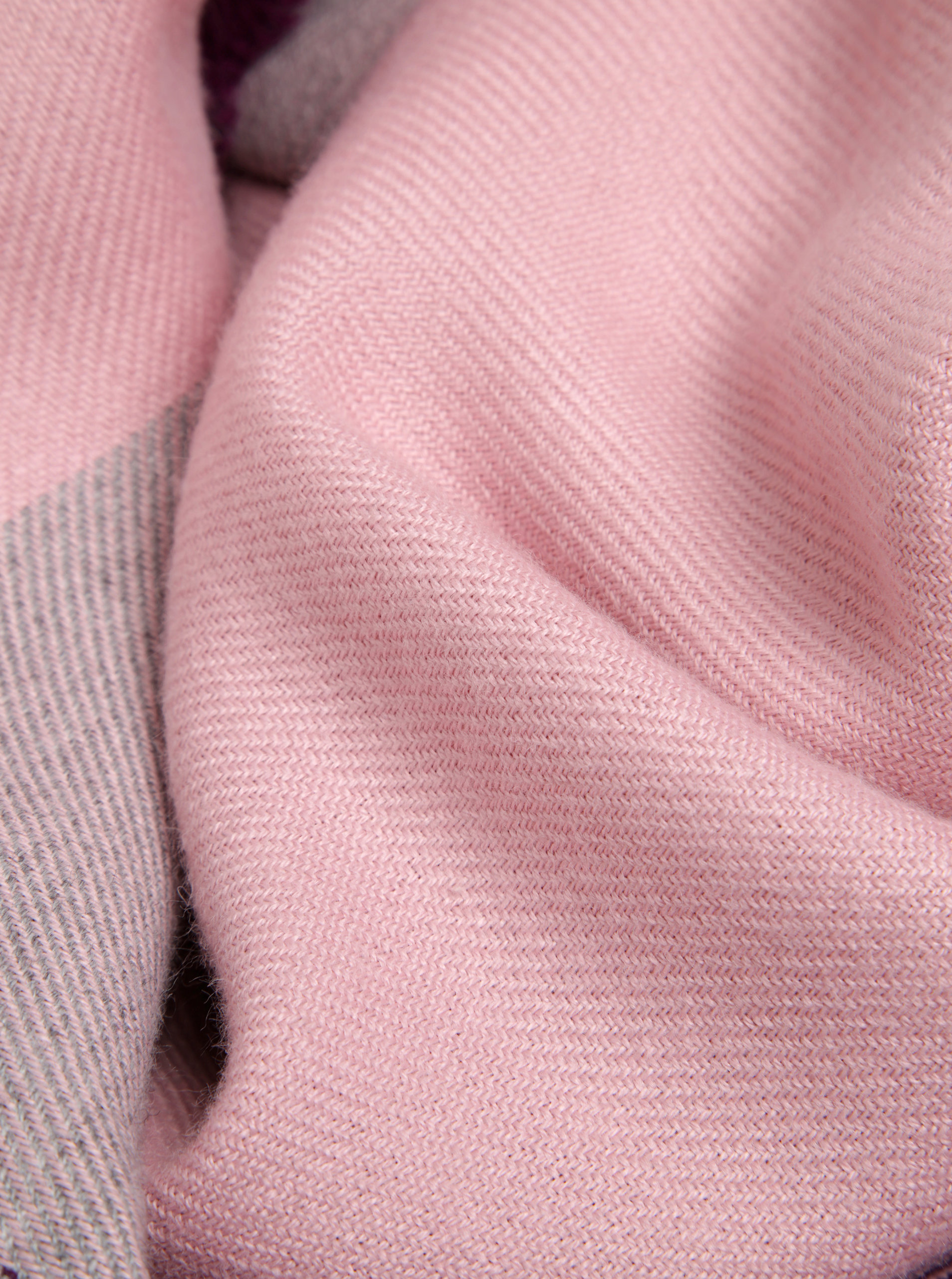 f529f043f Sivo-ružový dámsky šál s prímesou vlny Tommy Hilfiger Blanket | ZOOT.sk