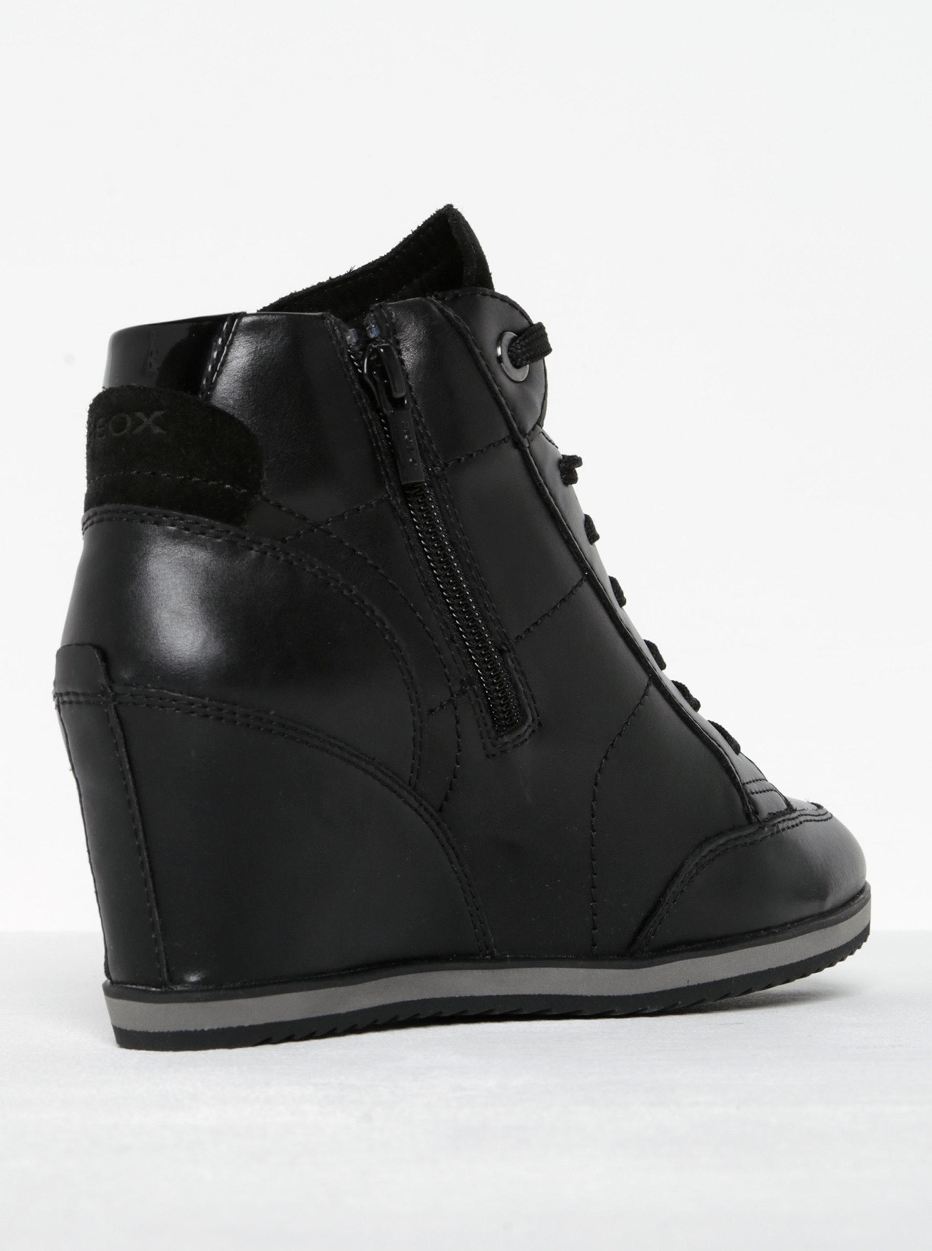cd7cfdaaa2e Černé dámské kožené boty na klínku Geox Illusion A ...