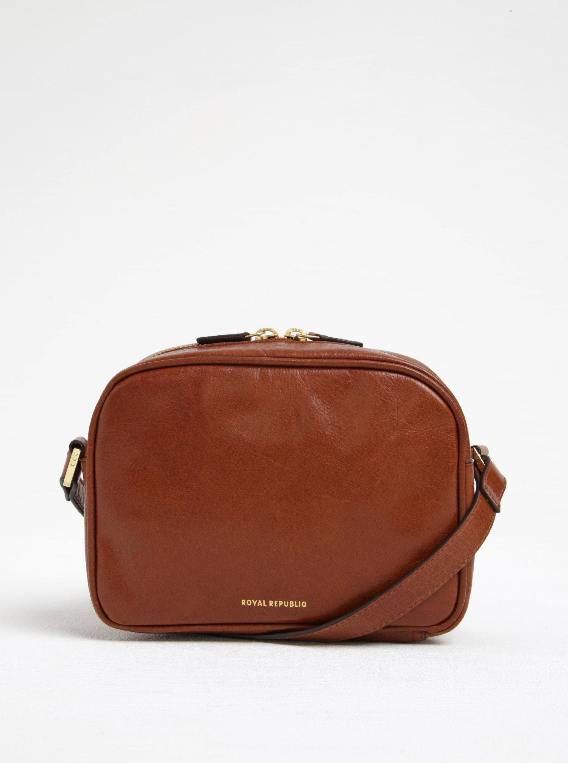 Hnědá kožená crossbody kabelka s detaily ve zlaté barvě Royal RepubliQ ... 91b5cc81c2c