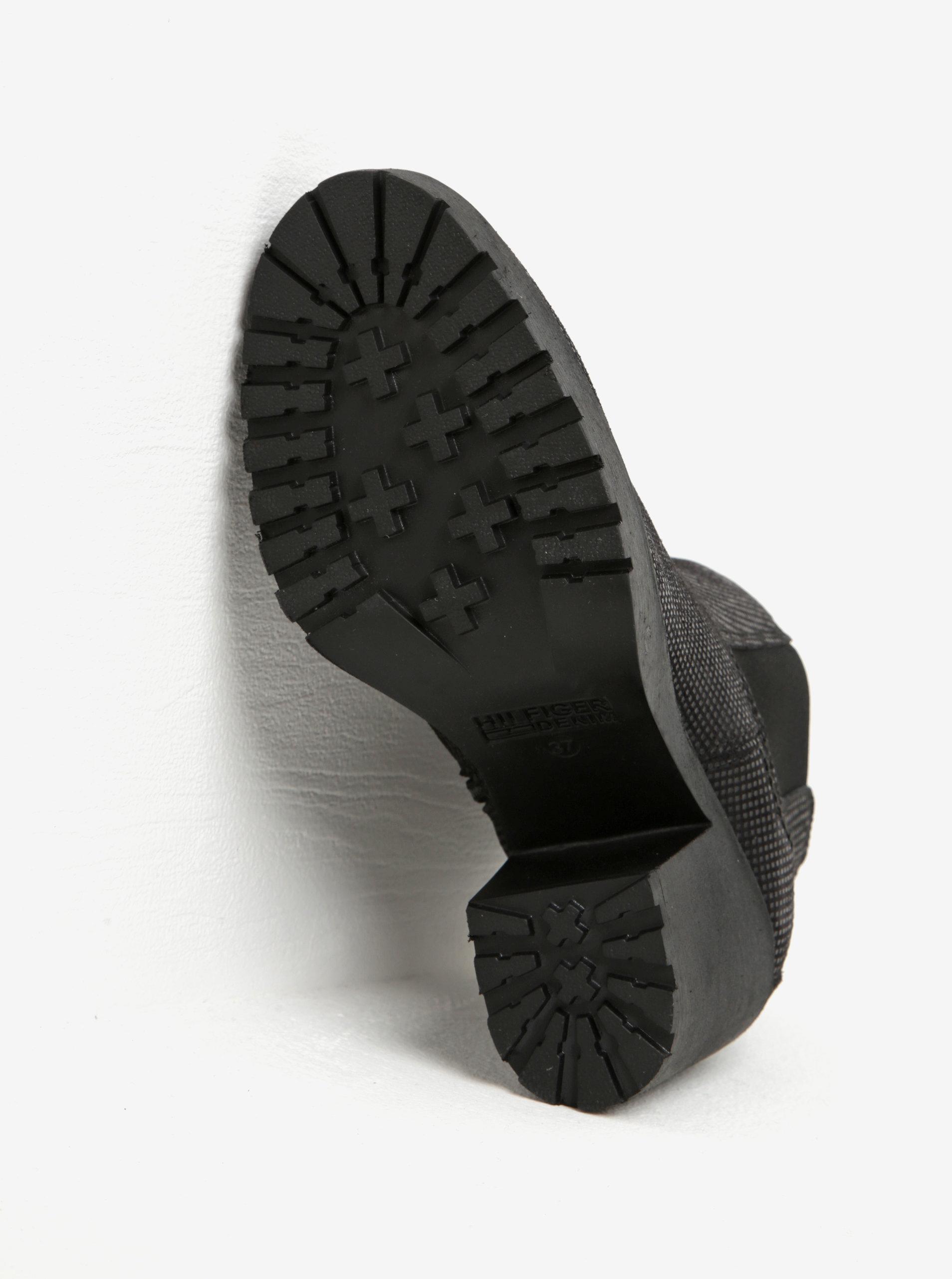d72c9561d8d ... Černé dámské kožené chelsea boty na vysokém podpatku Tommy Hilfiger Boo
