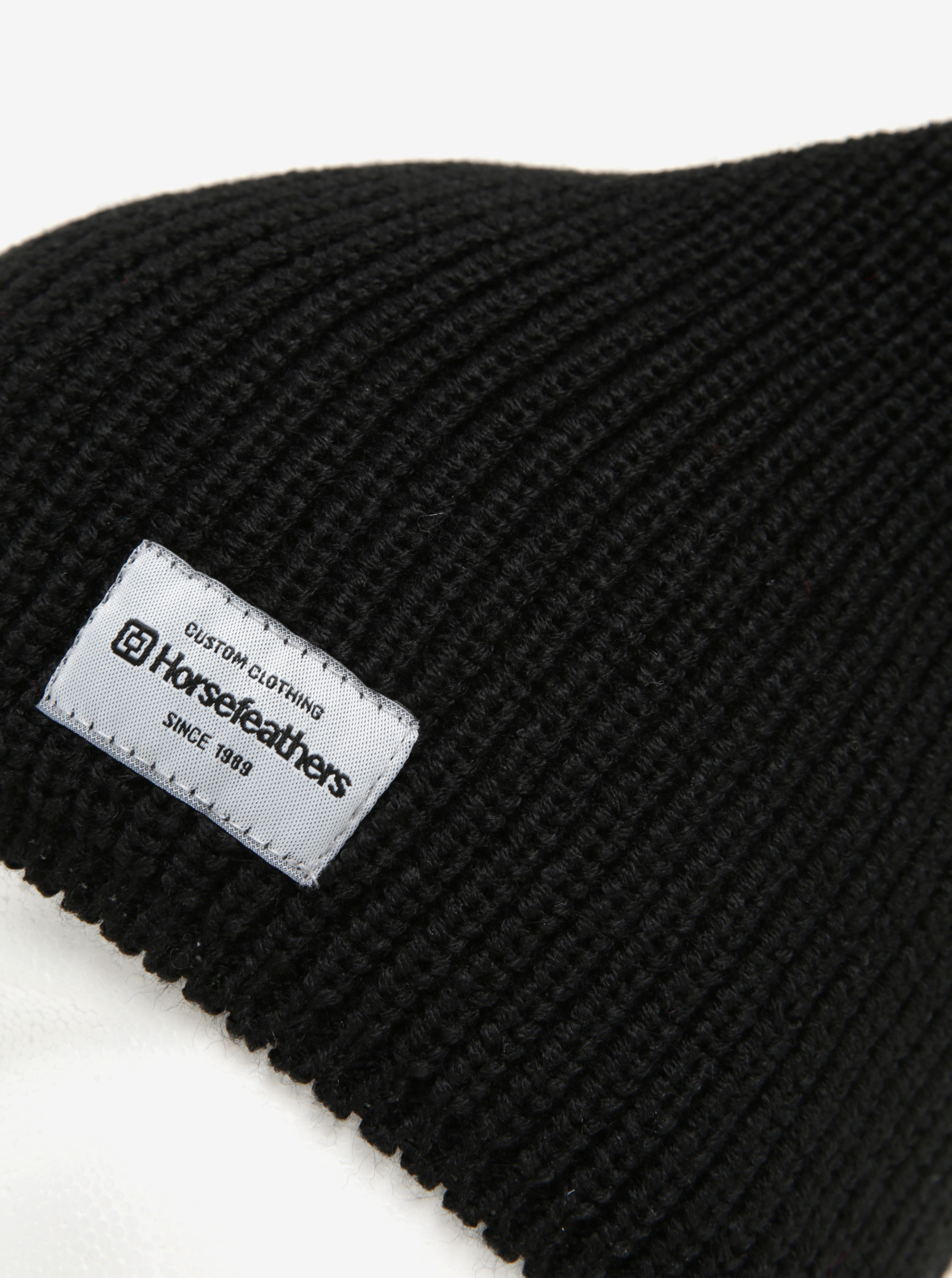 Černá dámská zimní čepice Horsefeathers Berta ... 34b482a676