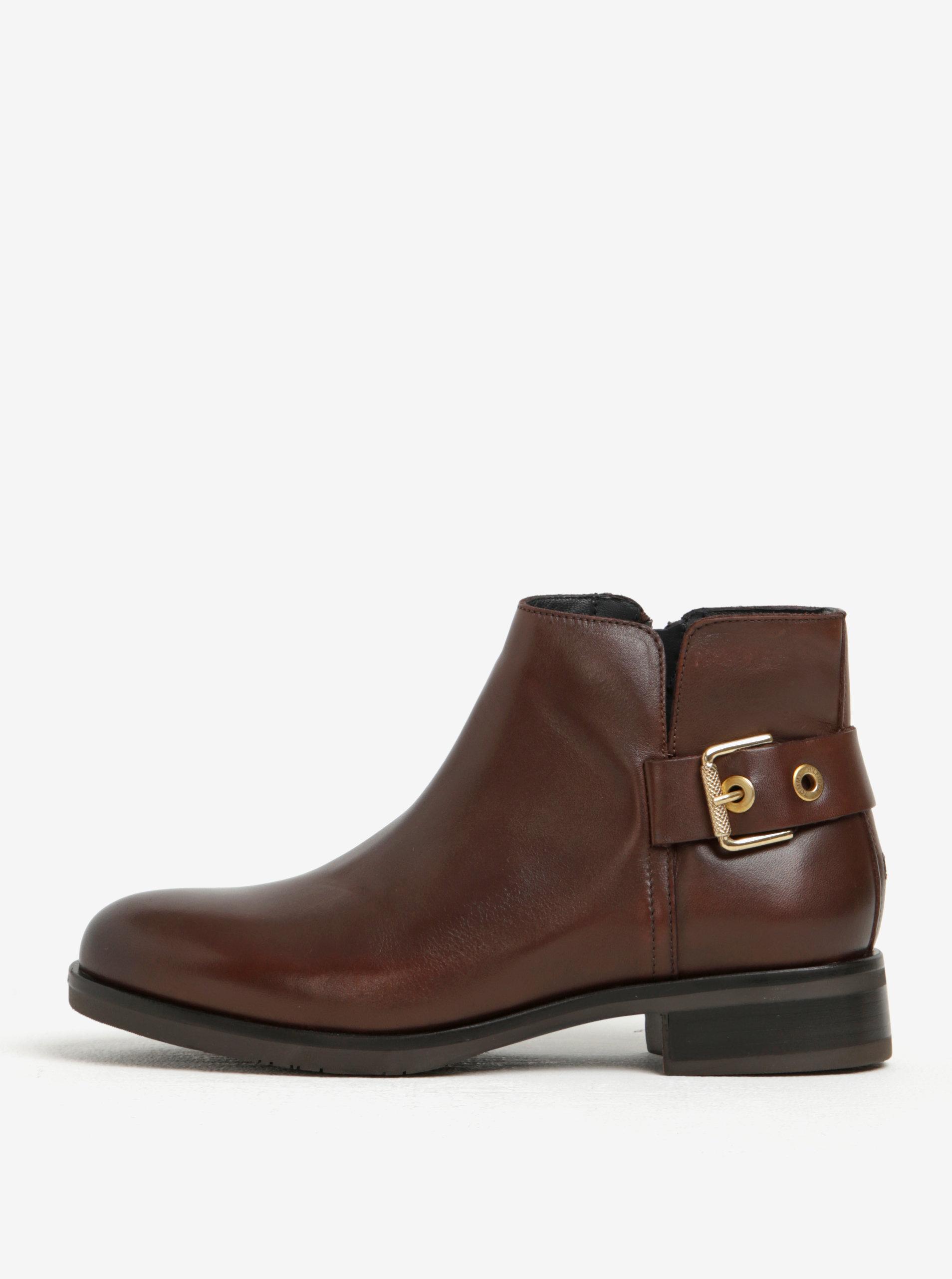 f4c276a9450 Tmavě hnědé dámské kožené kotníkové boty s přezkou Tommy Hilfiger ...