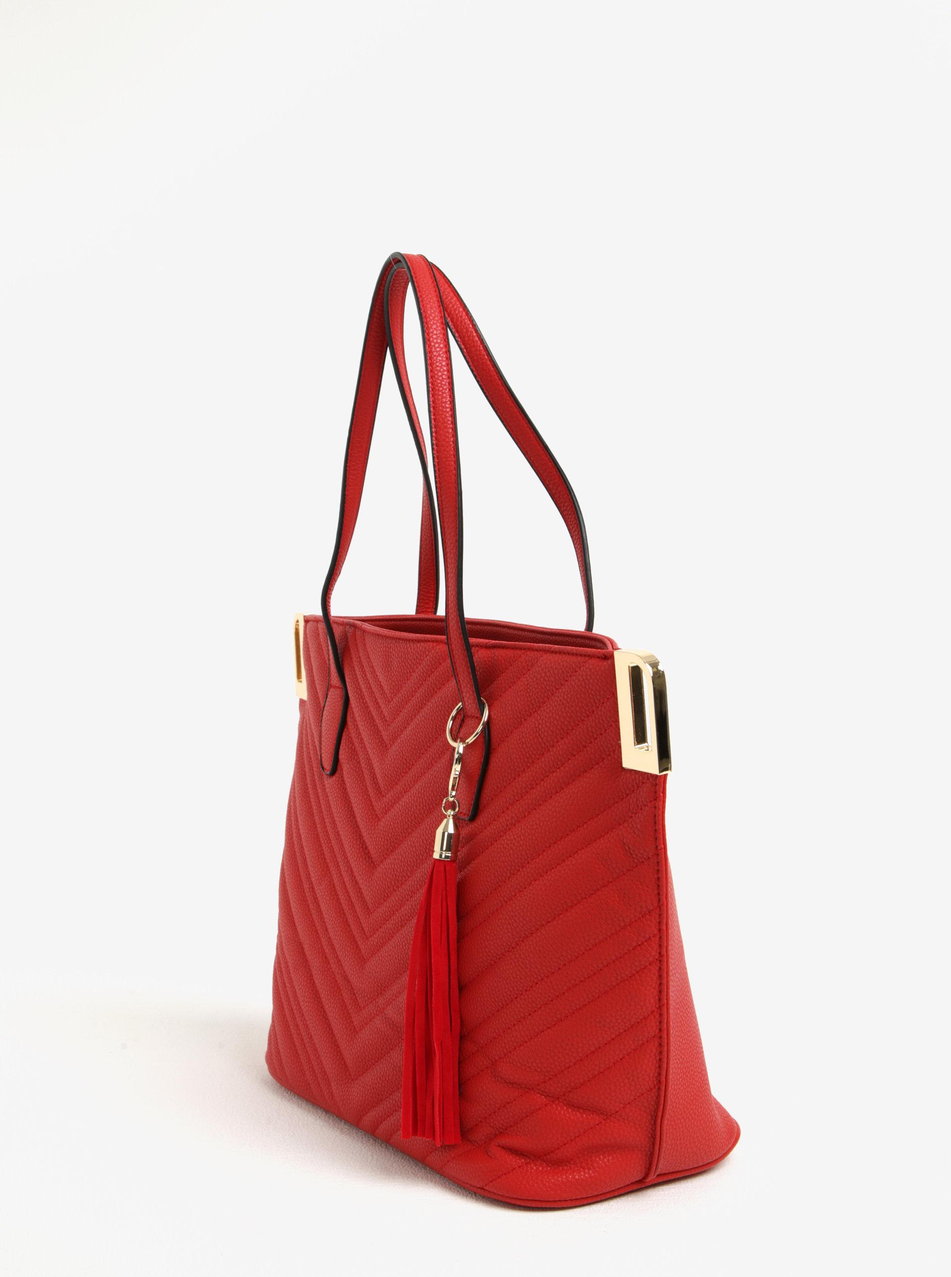 Červená prošívaná kabelka s detaily ve zlaté barvě Miss Selfridge ... 0b4c849369