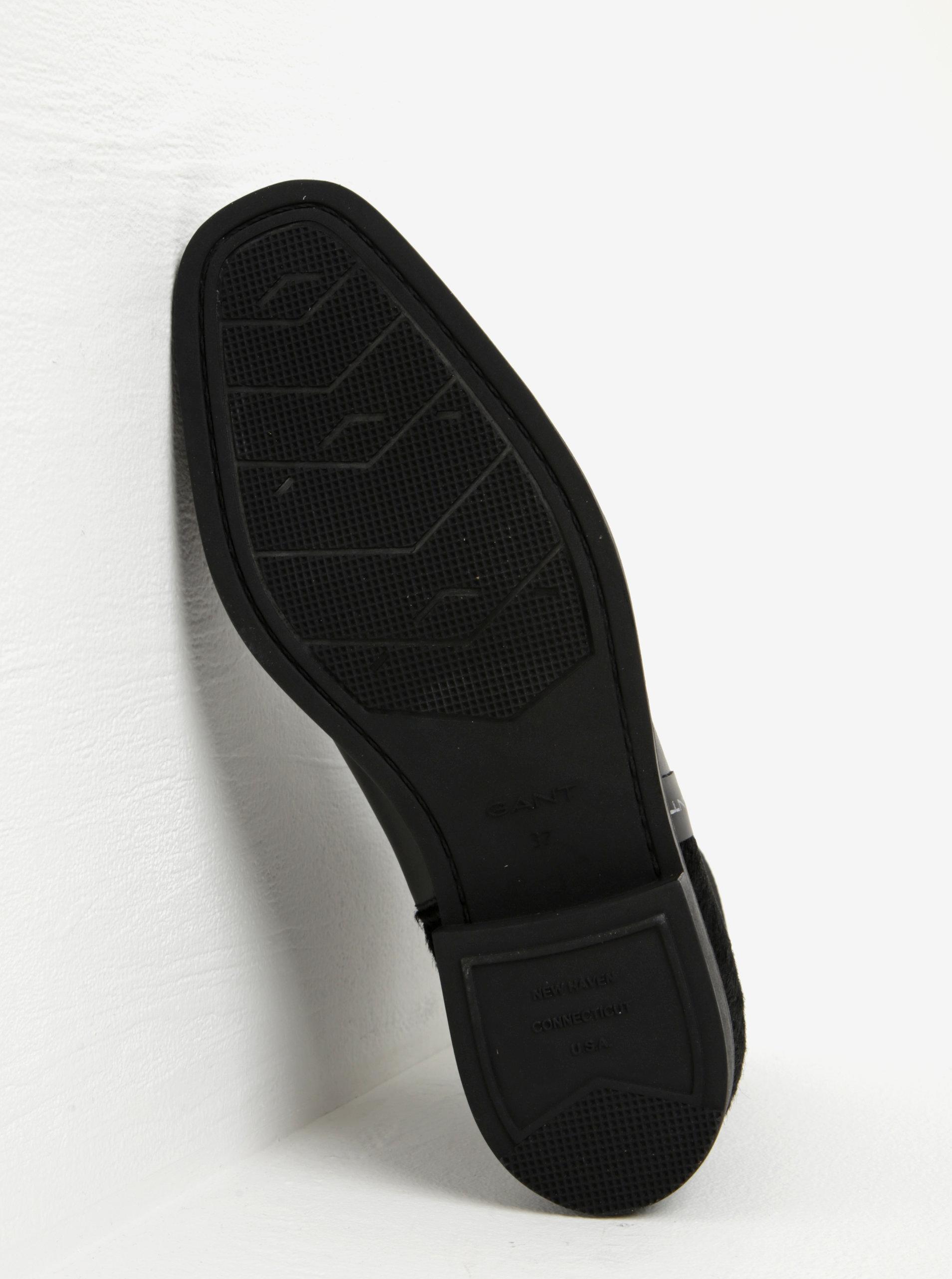 28c14f7290a Černé dámské kožené chelsea boty s detailem na patě GANT Jennifer ...