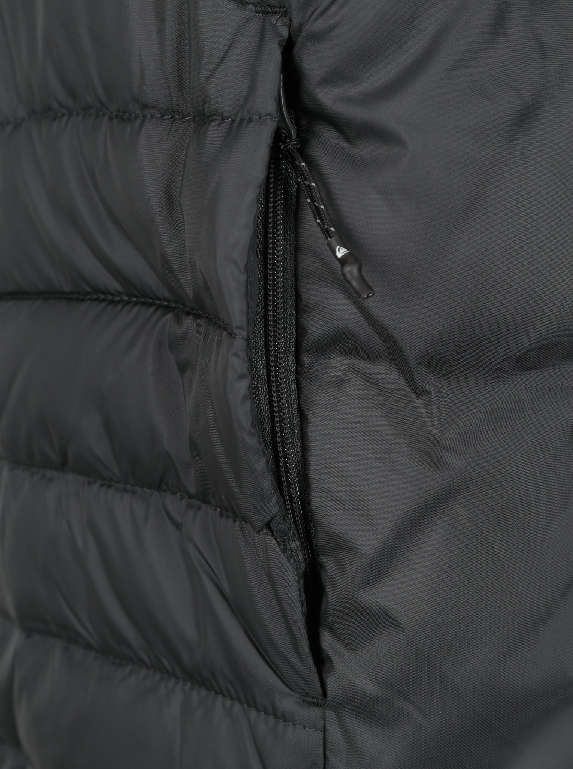 4ce3e5dee86 Černá pánská prošívaná voděodpudivá bunda Quiksilver - Akční cena ...