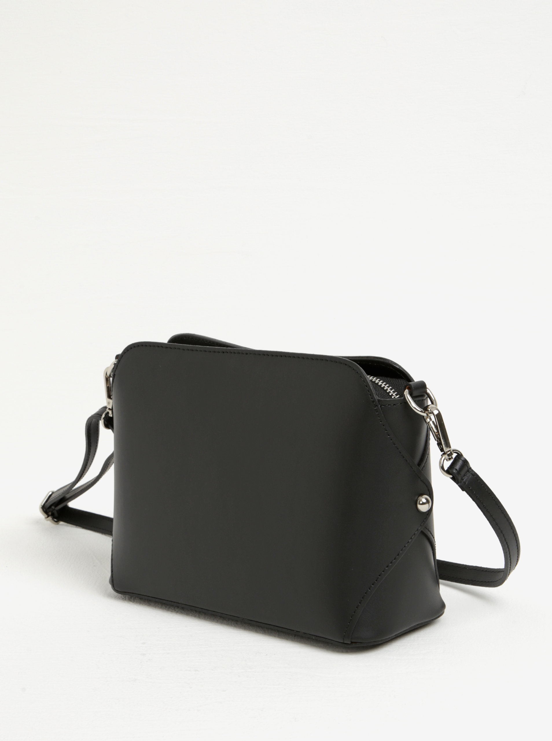 2490e101d9e8 Čierna dámska kožená crossbody kabelka KARA ...