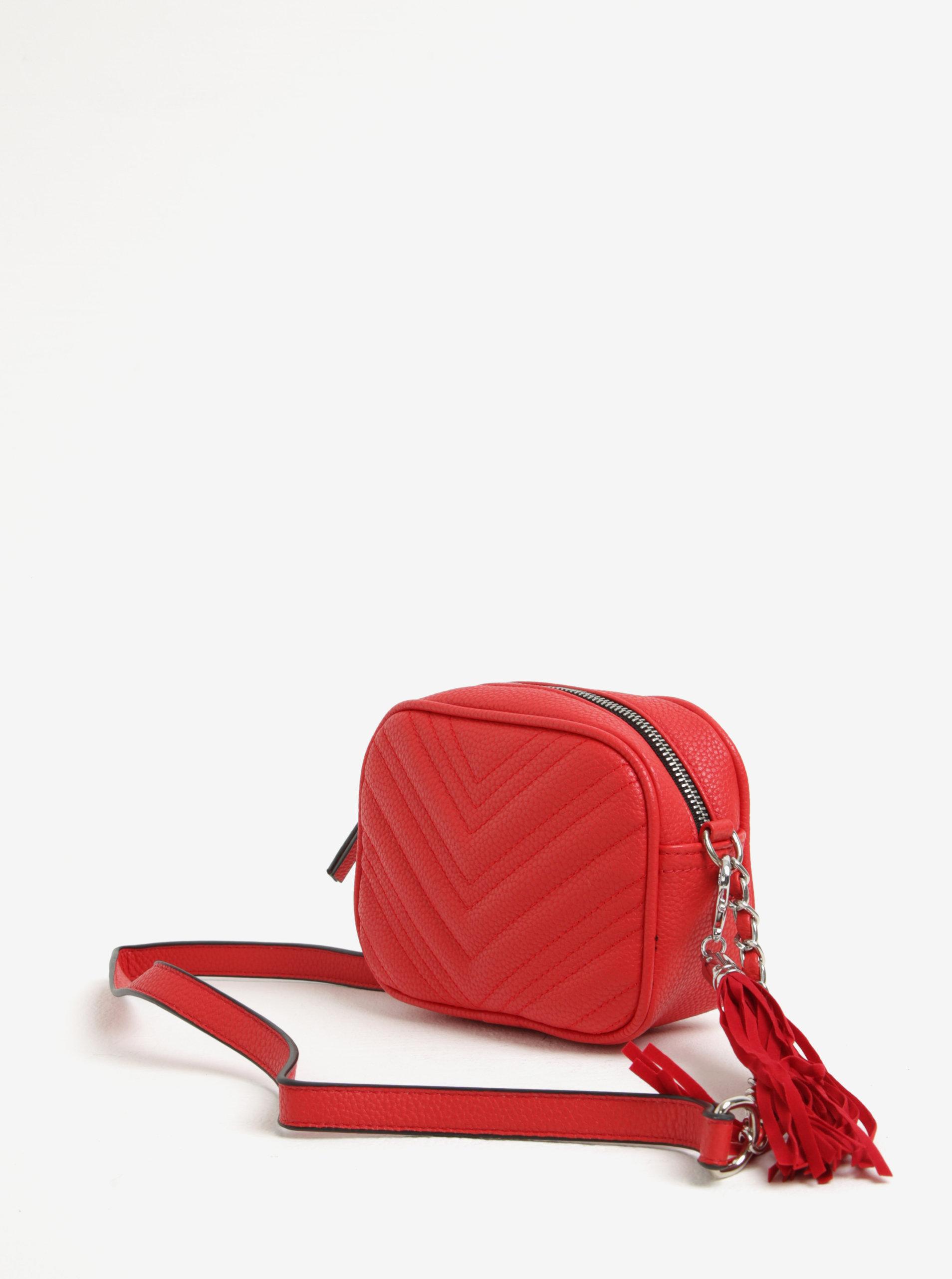 Červená malá prešívaná crossbody kabelka so strapcom Miss Selfridge ... fa8a8bd203a
