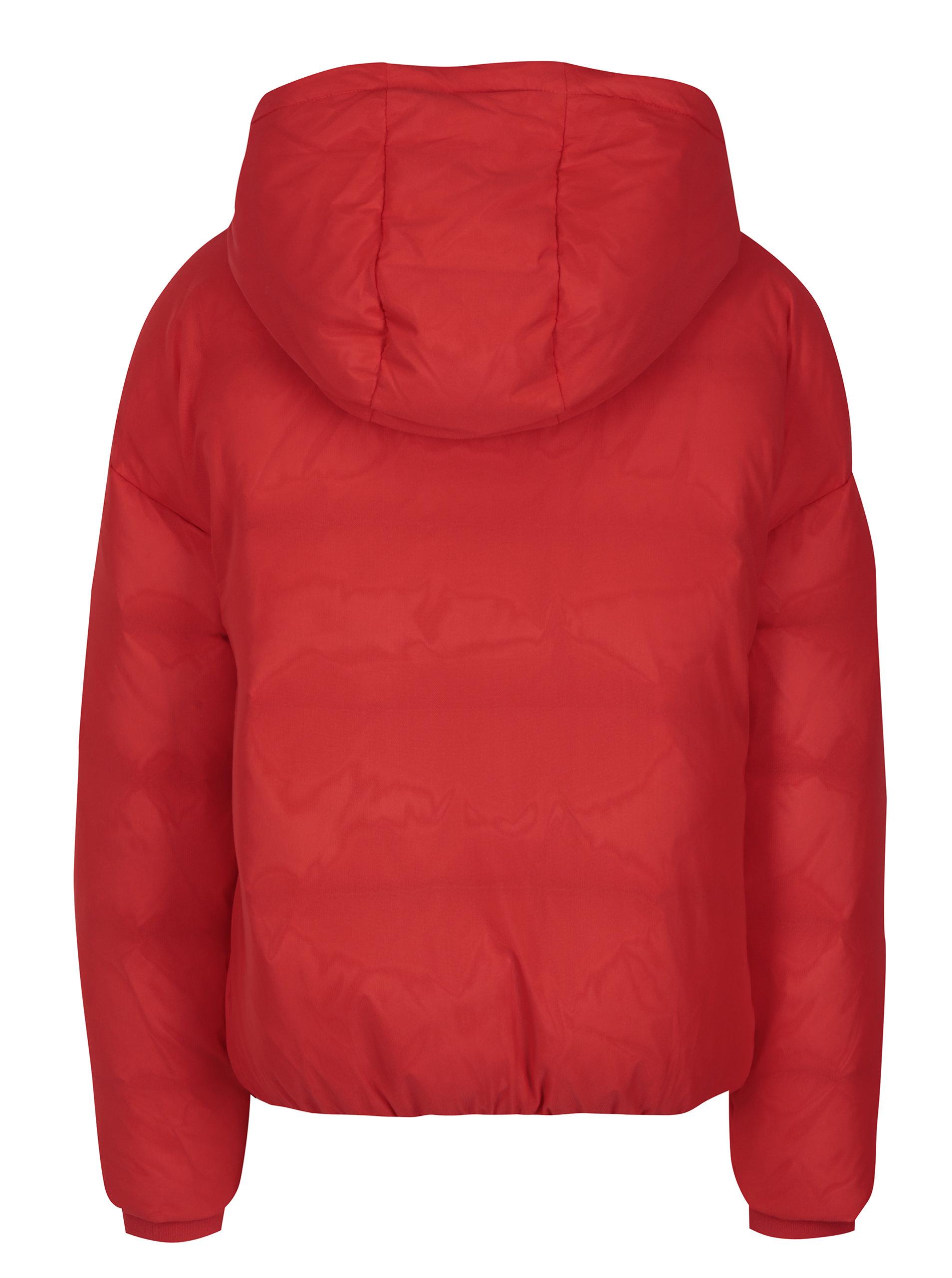 2991b55a25 Červená dámská zimní péřová bunda Calvin Klein Jeans Ocoon ...