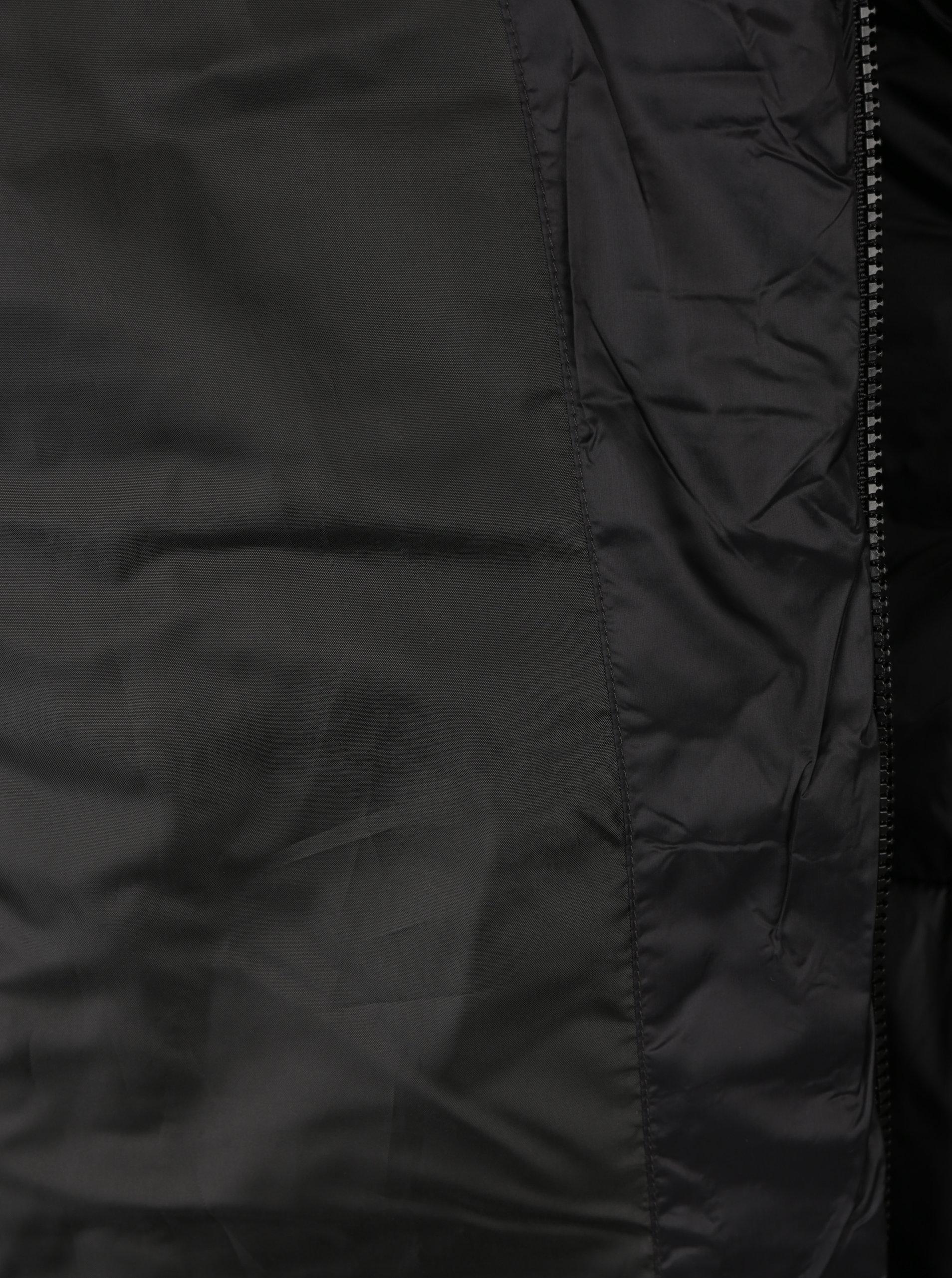Čierny dlhý prešívaný kabát s kapucňou ONLY Naja ... d2c5d25ed4d
