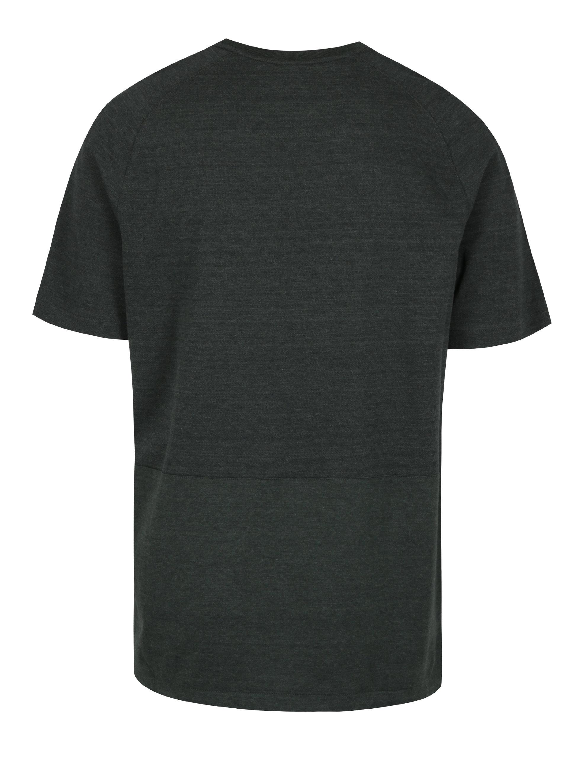 f8777b534a3e Zelené žíhané pánské tričko s krátkým rukávem Nike ...