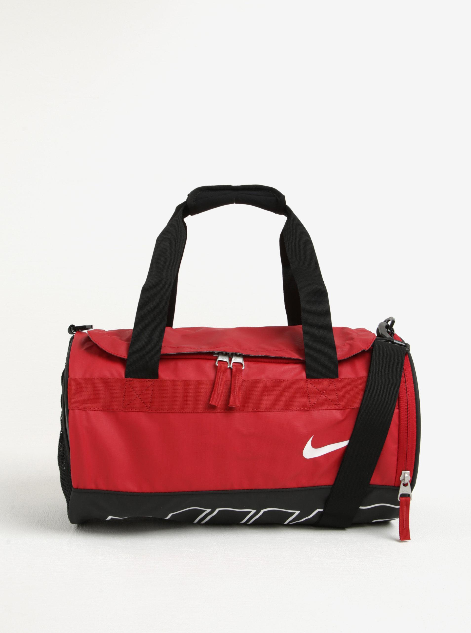 Černo-červená sportovní taška Nike Alpha Adapt ... 2c3a985f9b0