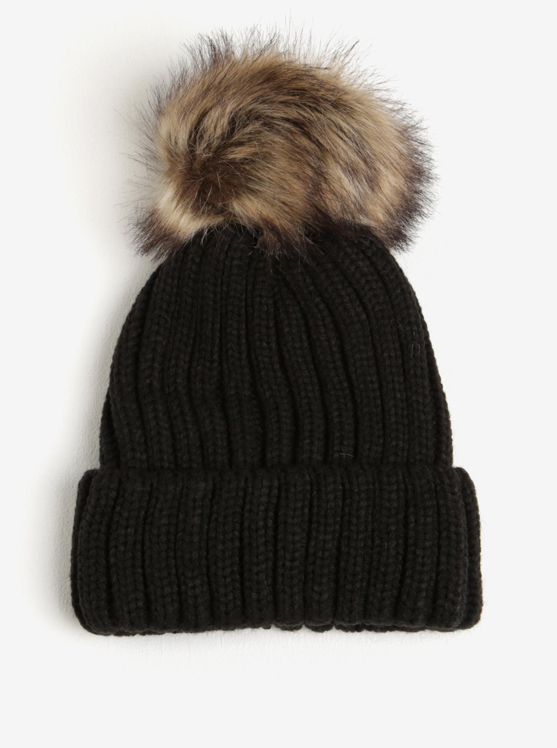 b86122f1d Čierna dámska čiapka s brmbolcom z umelej kožušiny M&Co | ZOOT.sk