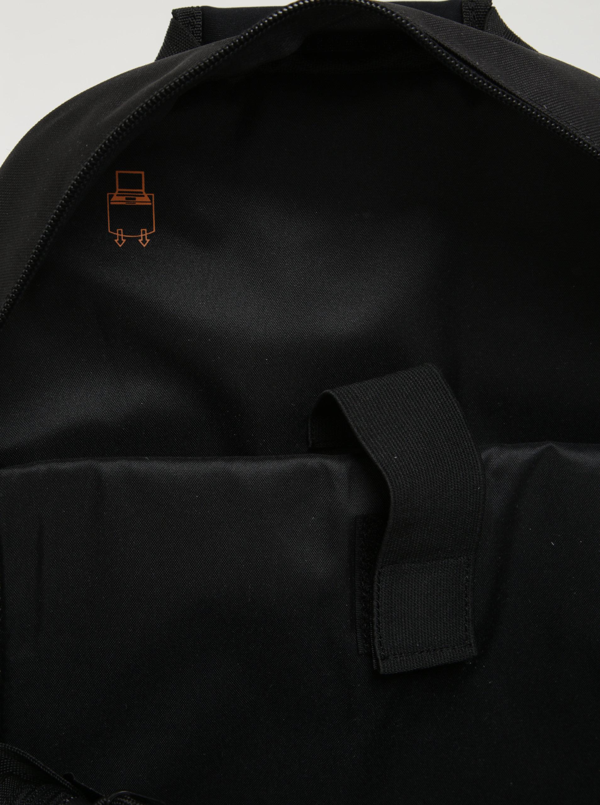 e2f6cc5a37 Čierny batoh s logom Superdry Mono 21 l ...