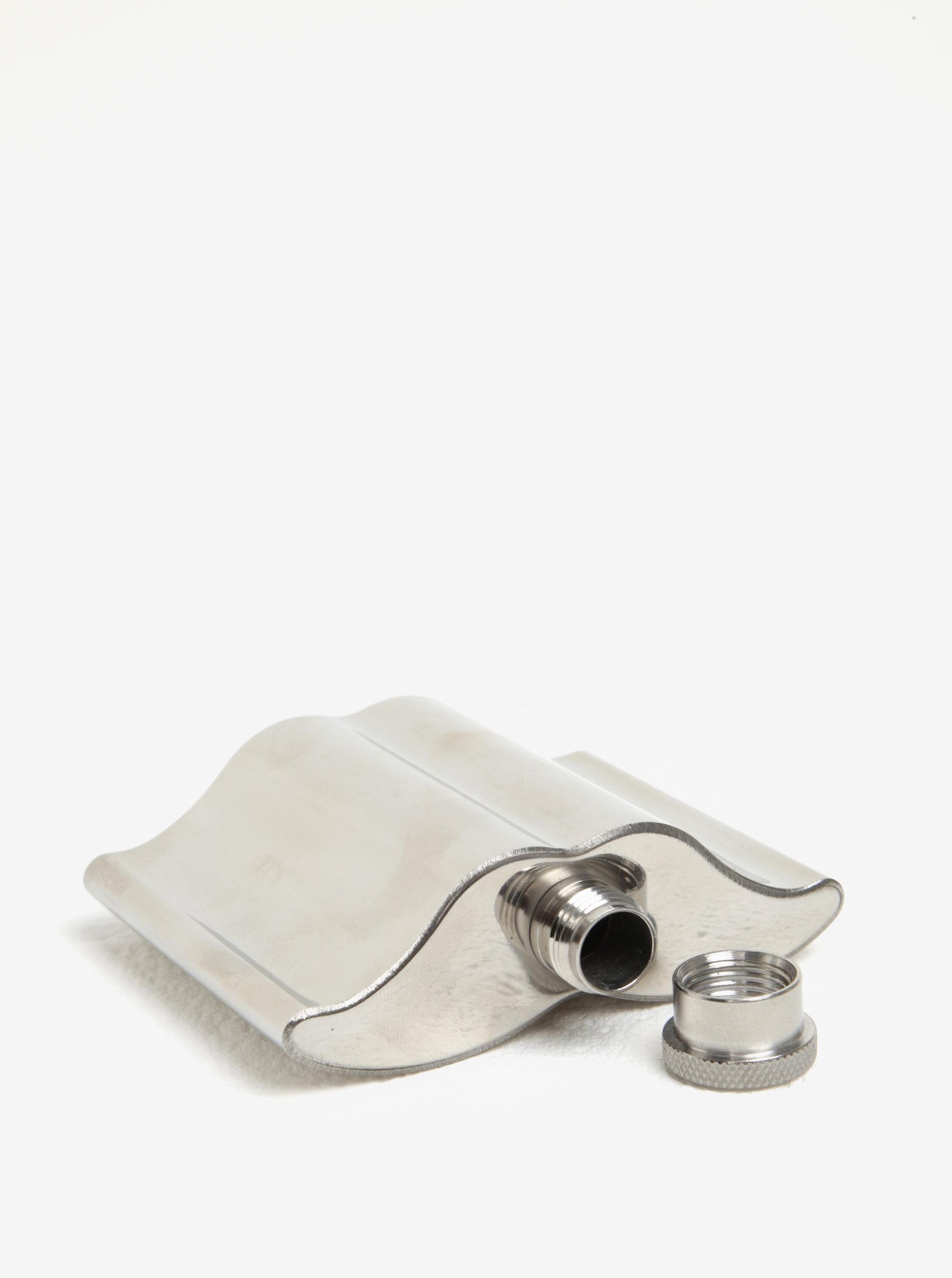 4c33d8513df Placatka ve stříbrné barvě ve tvaru kníru CGB ...