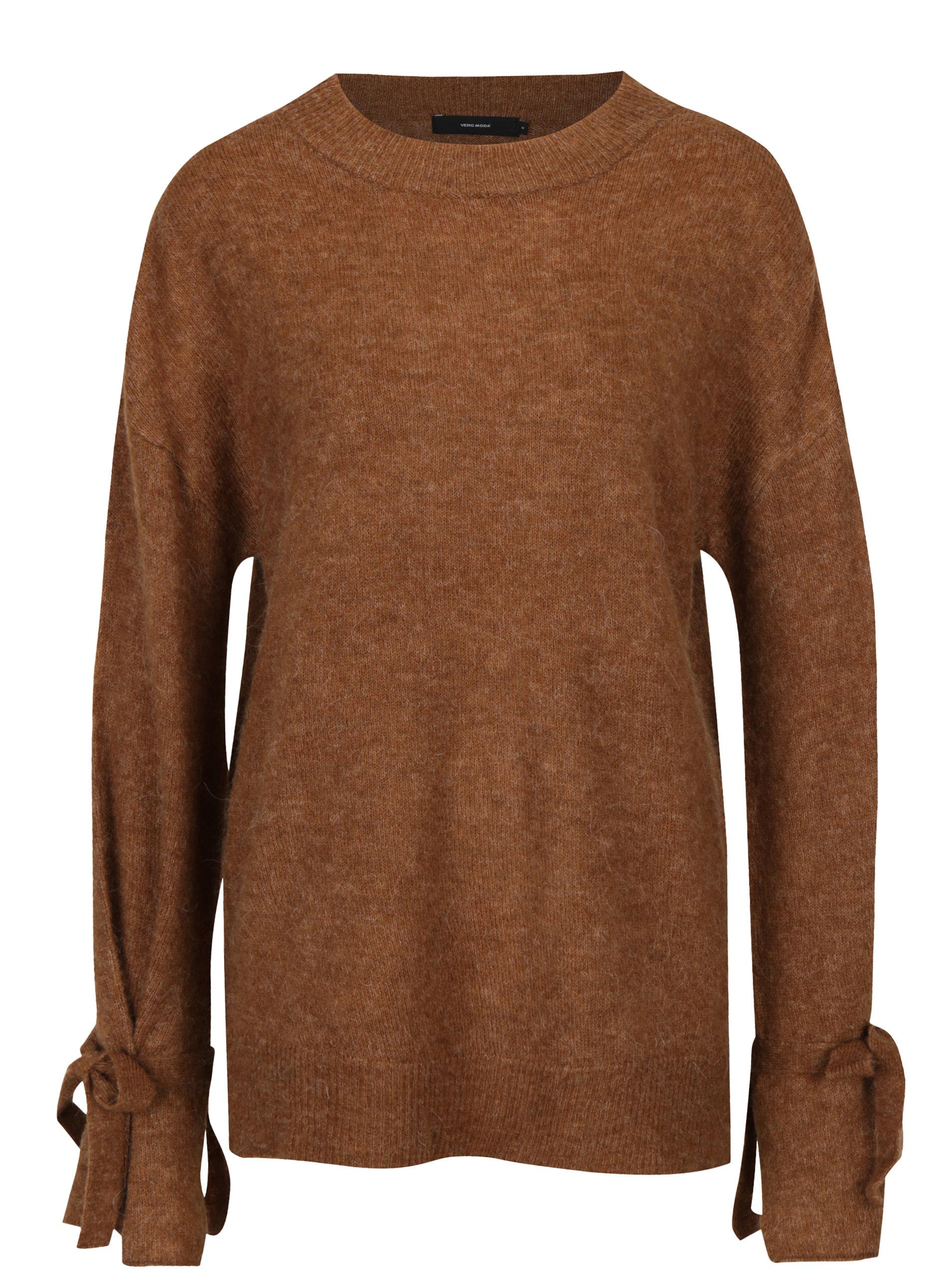 c76adee19f95 Hnedý sveter s mašľami VERO MODA Cersei ...