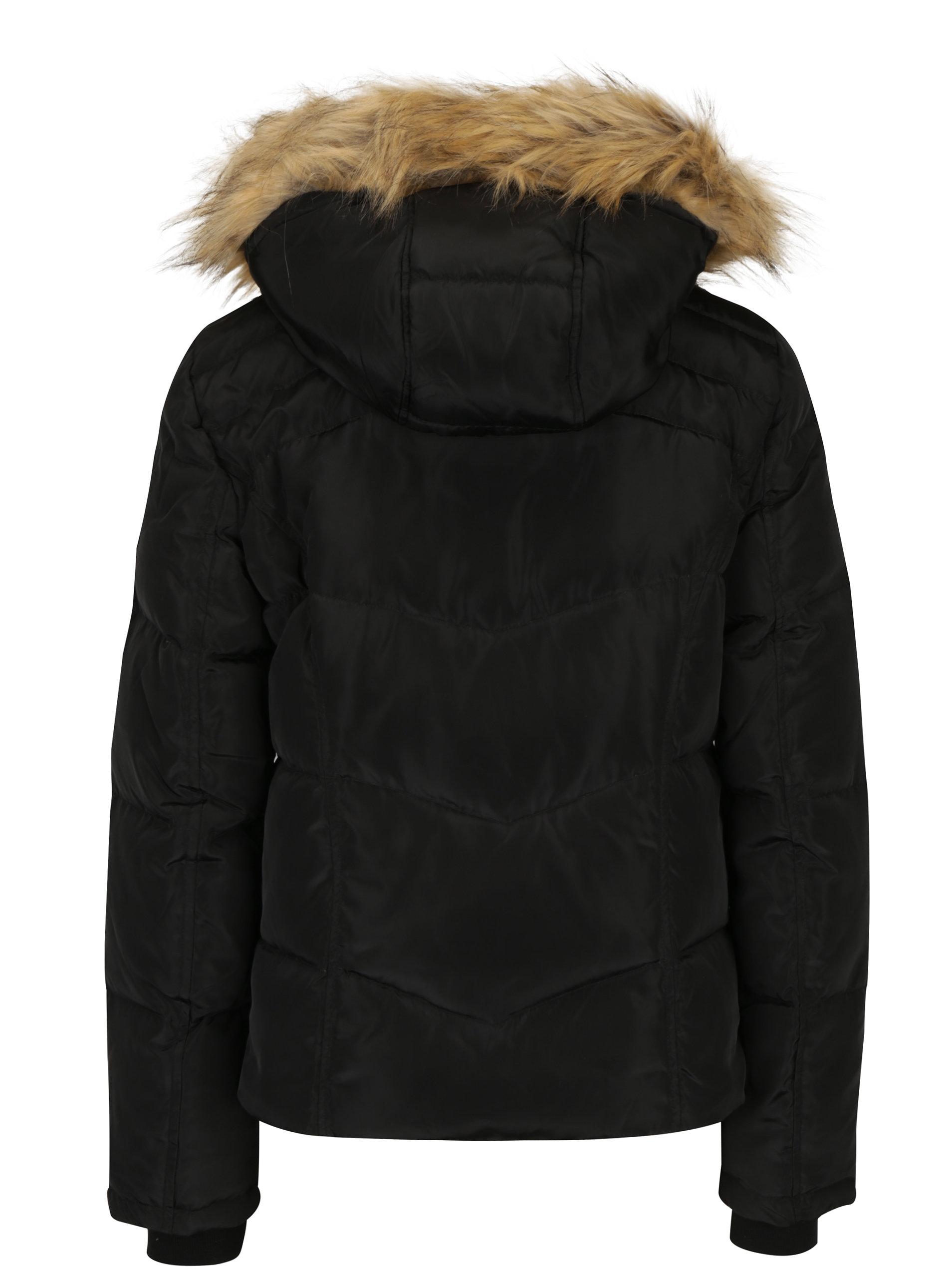 1c90a7caab99 Čierna zimná prešívaná bunda s kapucňou VERO MODA Fea ...
