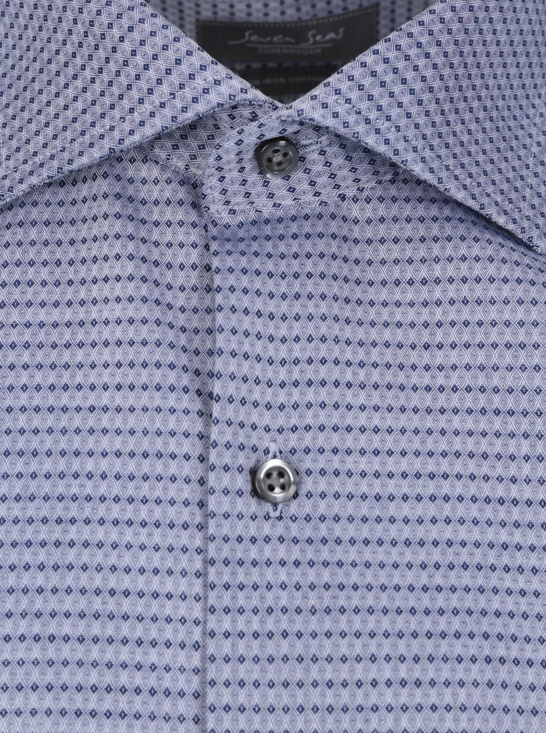 8202bd371e3c Svetlomodrá pánska formálna košeľa s jemným vzorom Seven Seas ...