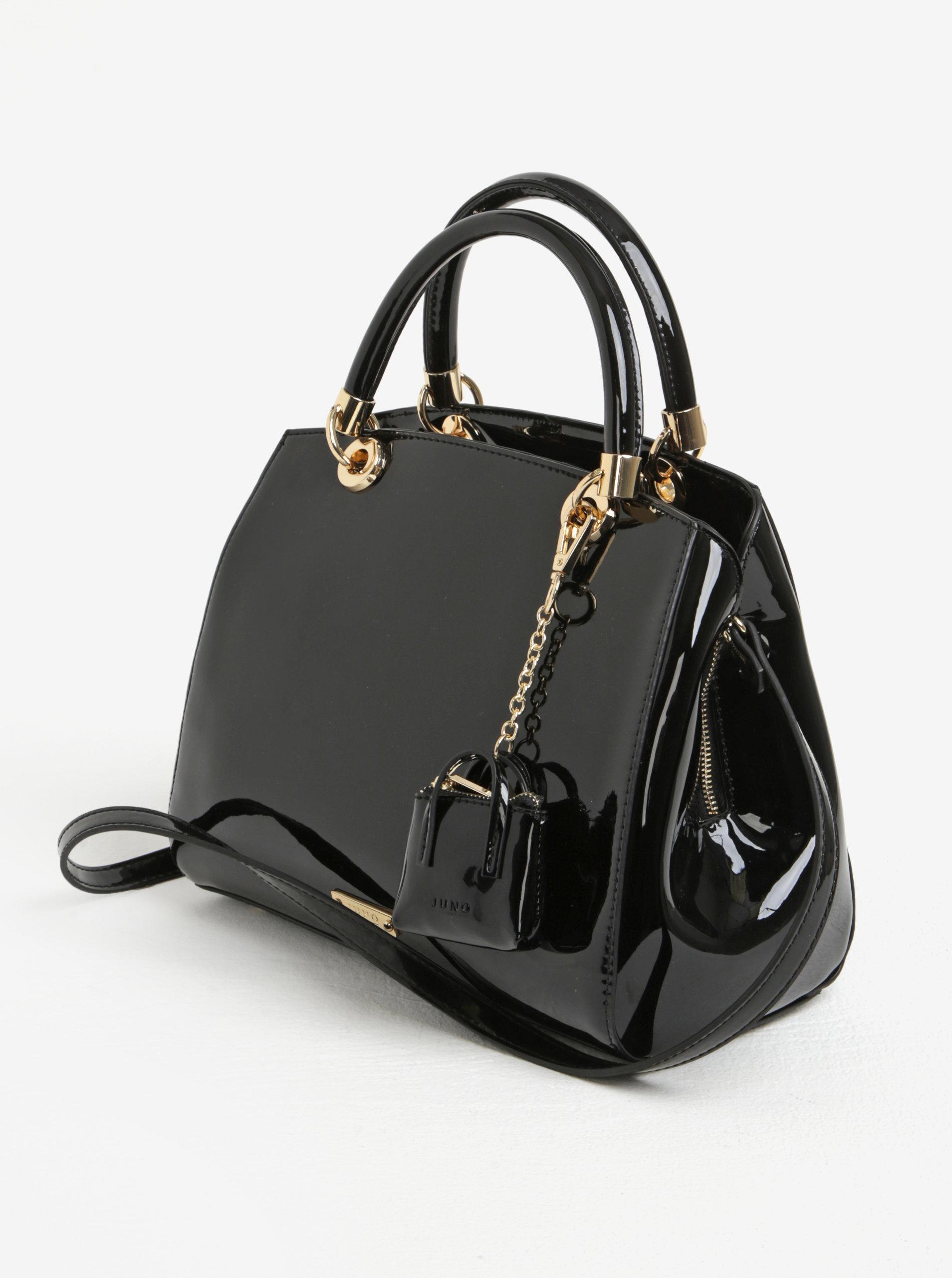 Čierna lesklá kabelka do ruky s príveskom Juno ... d61eff800e0