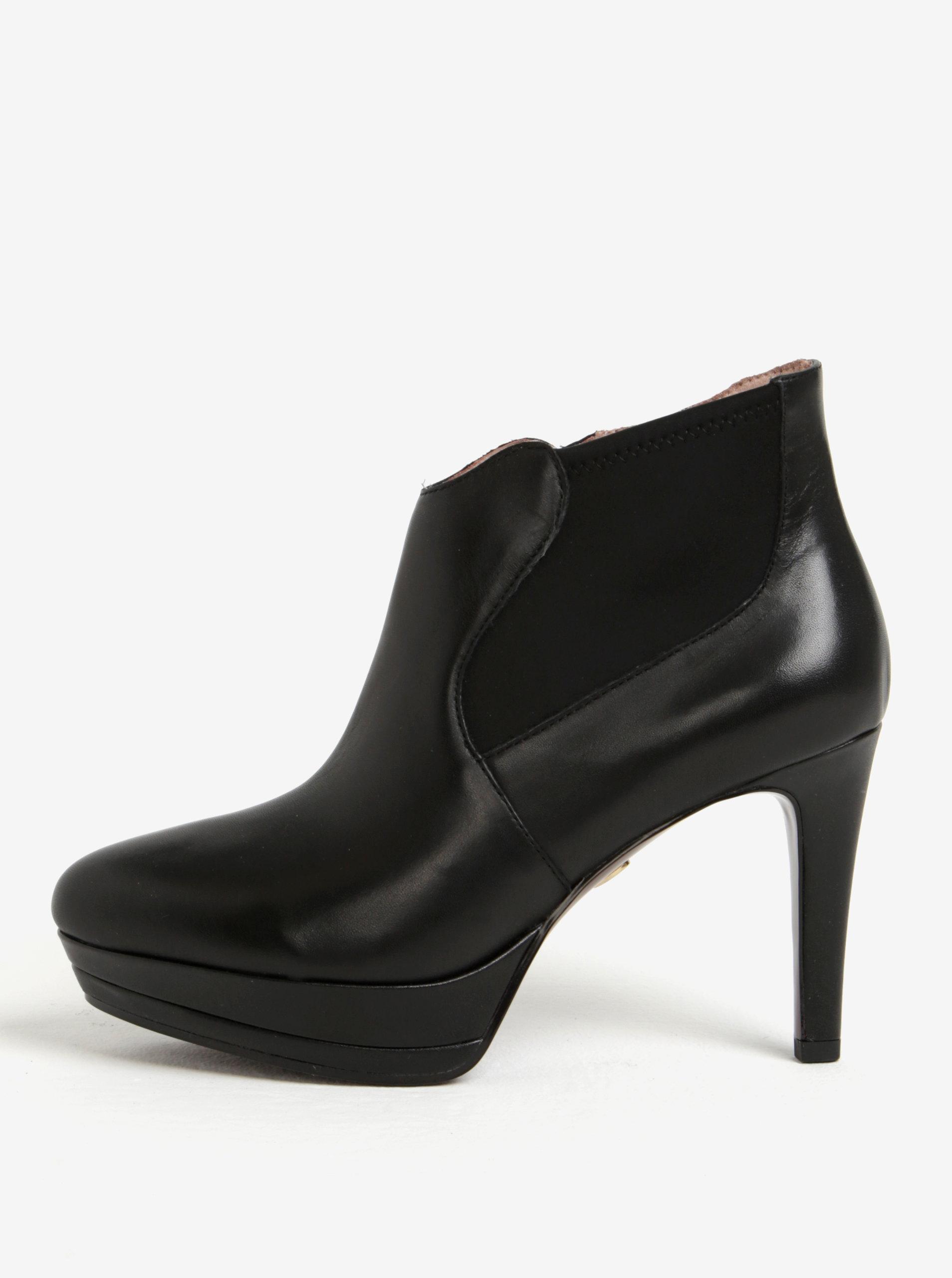 9e59eb5d3132 Čierne kožené členkové topánky na vysokom podpätku Tamaris ...