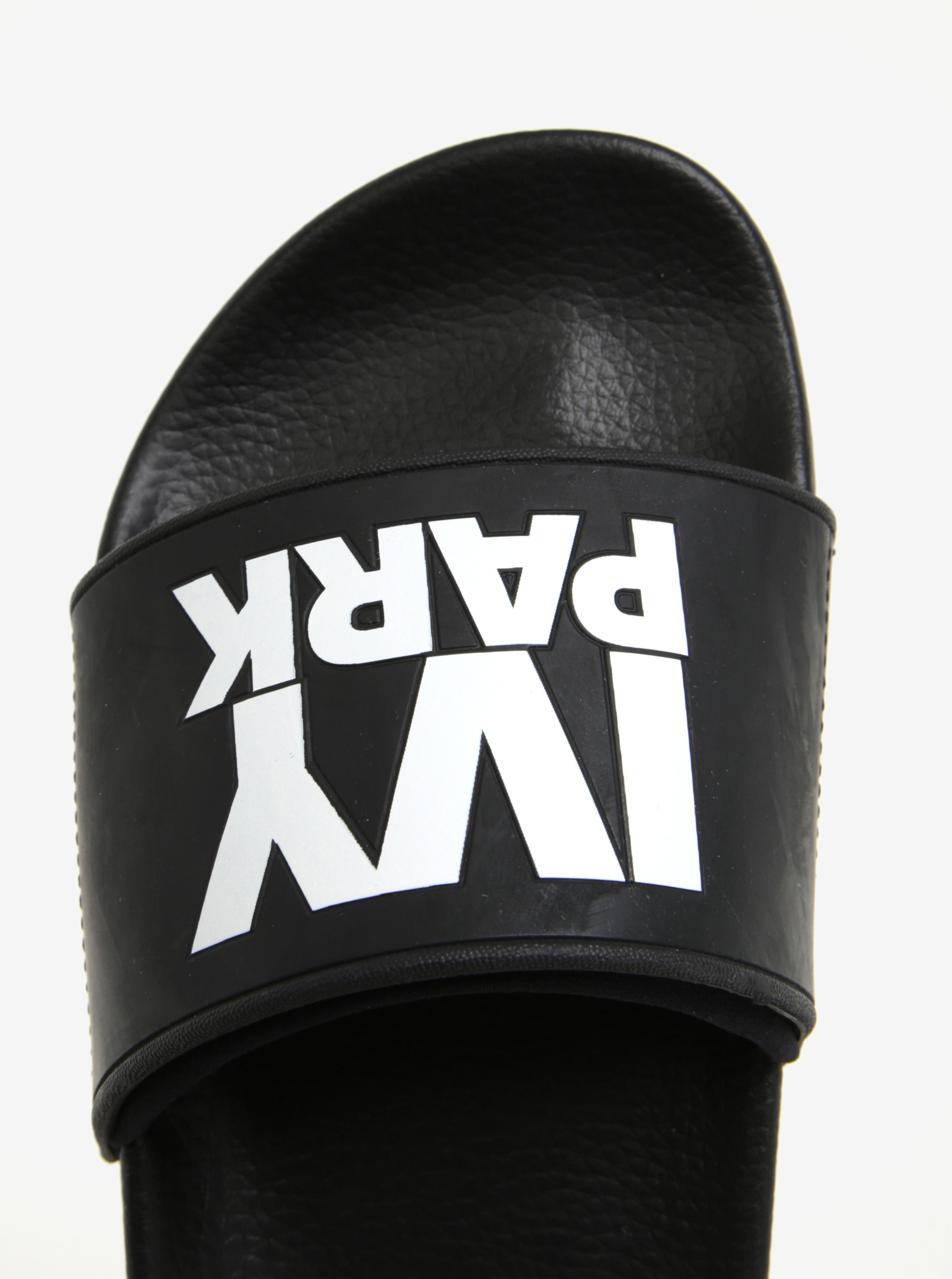 48ff384895 Čierne šľapky s logom Ivy Park ...