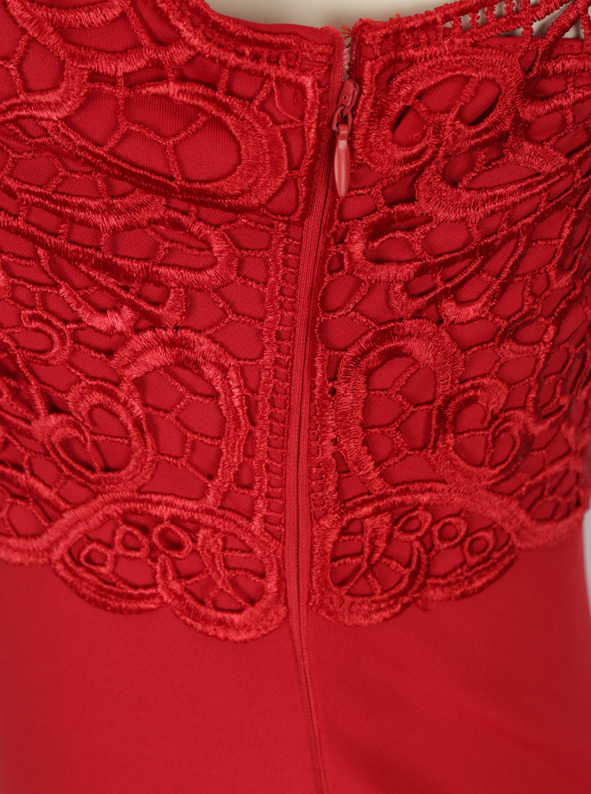 Červené puzdrové šaty s čipkovaným topom AX Paris ... 6e940ab3234