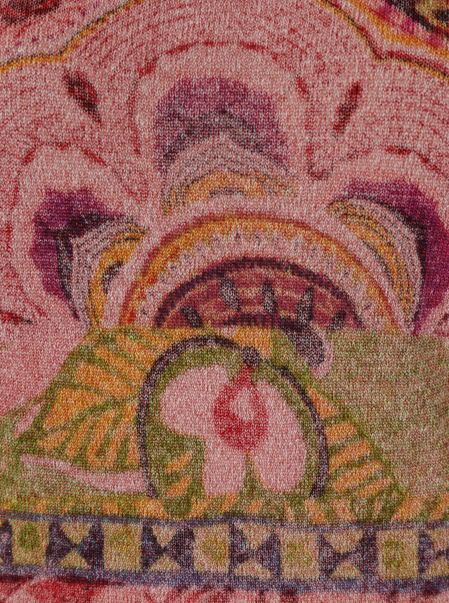 Růžový vzorovaný svetr s lodičkovým výstřihem Desigual Purpura ... 66127a9423f