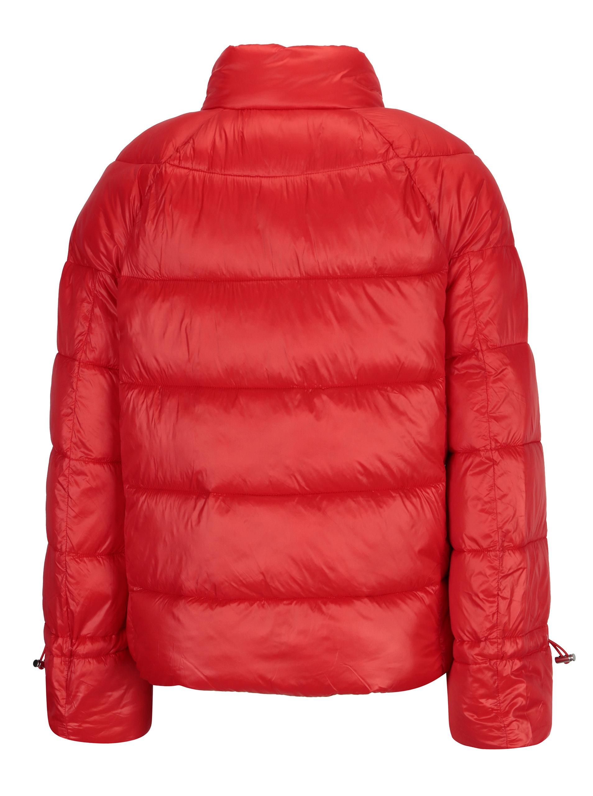 d52b20990dd1 Červená zimní prošívaná bunda VERO MODA Ramona ...