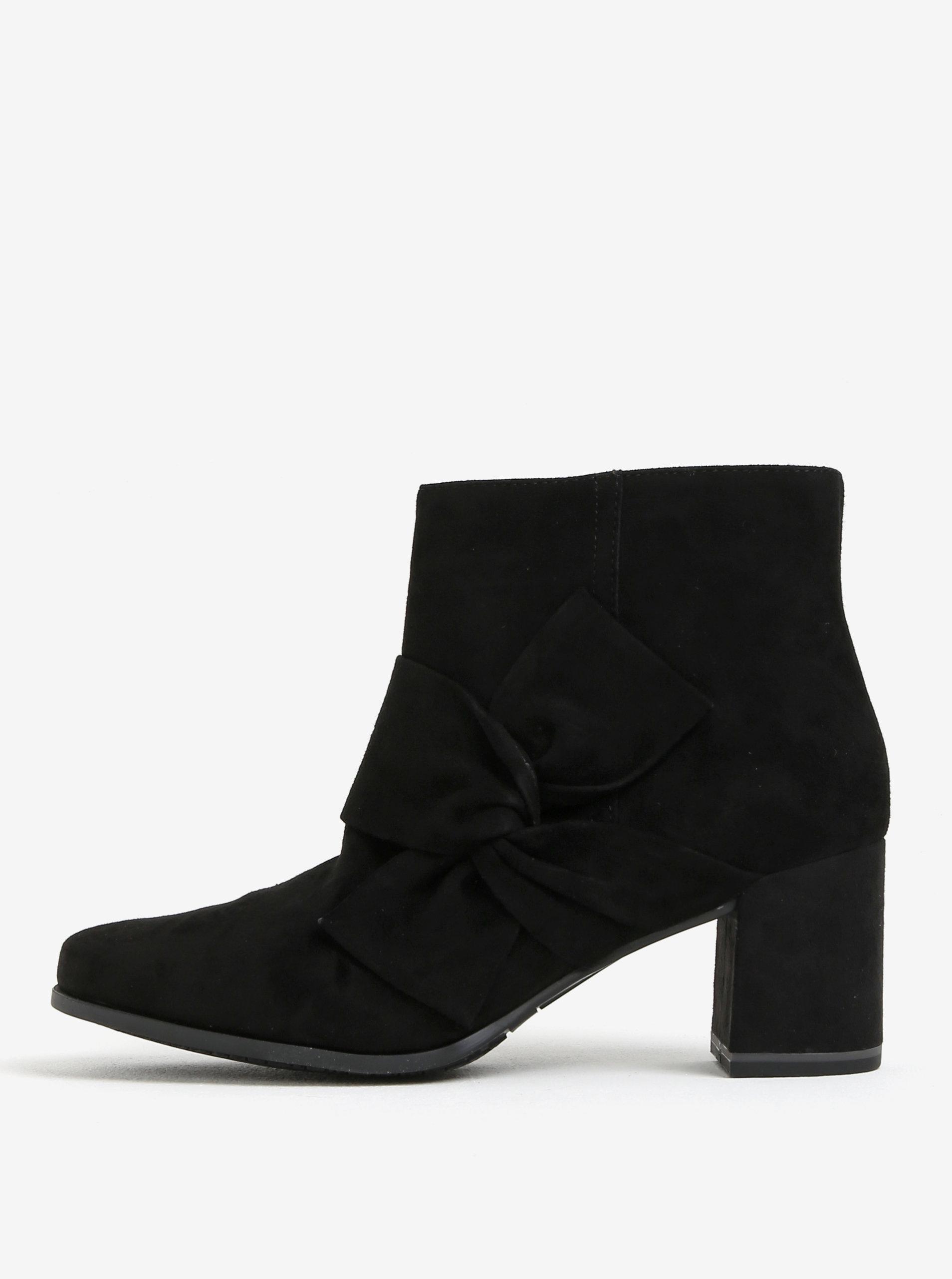 Černé semišové kotníkové boty s mašlí Tamaris ... 0ad6f06d4c