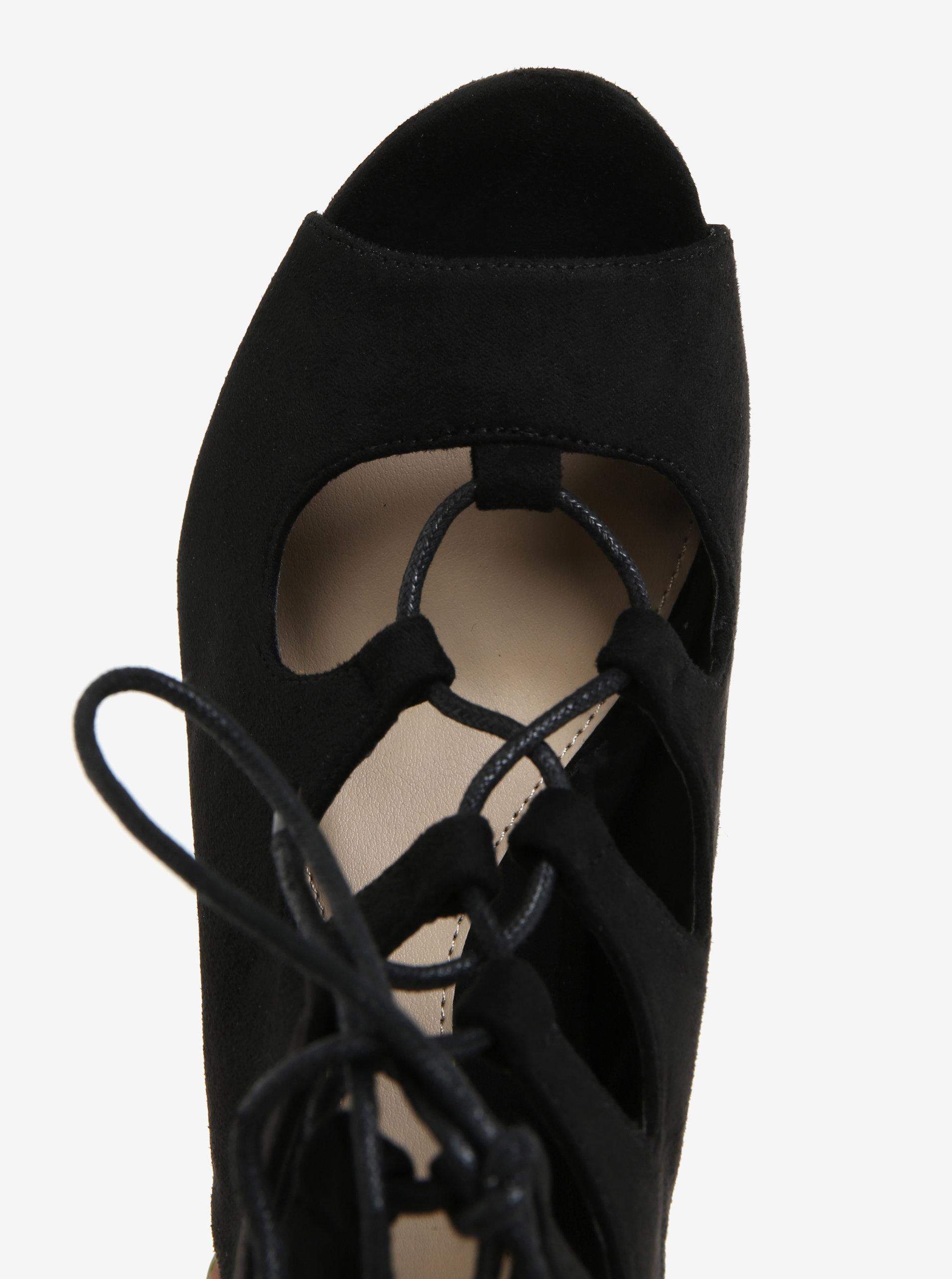 9874f262f757 Čierne sandáliky v semišovej úprave na platforme MISSGUIDED ...