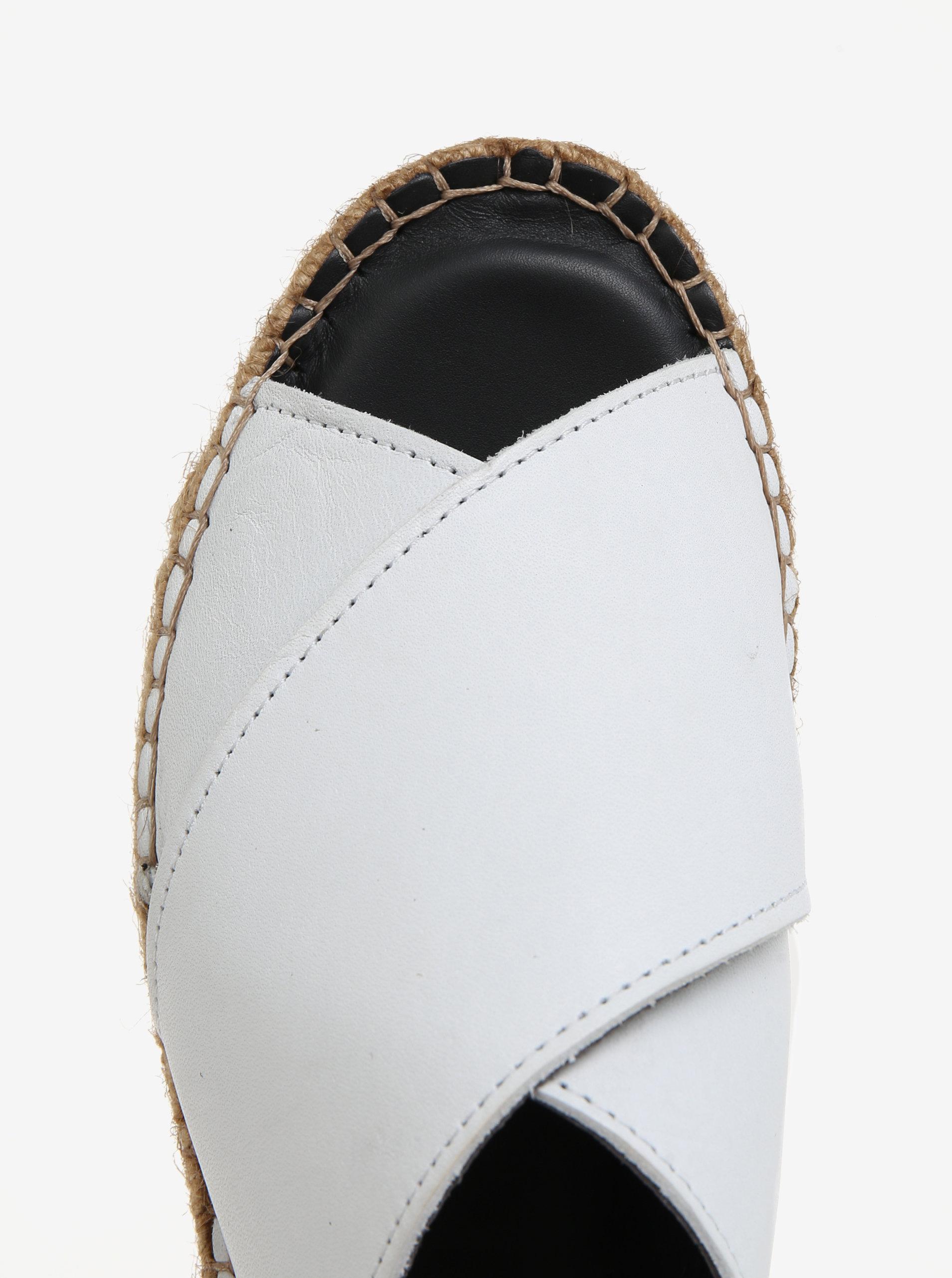 6d20d3033021 Biele dámske kožené šľapky na platforme Royal RepubliQ ...