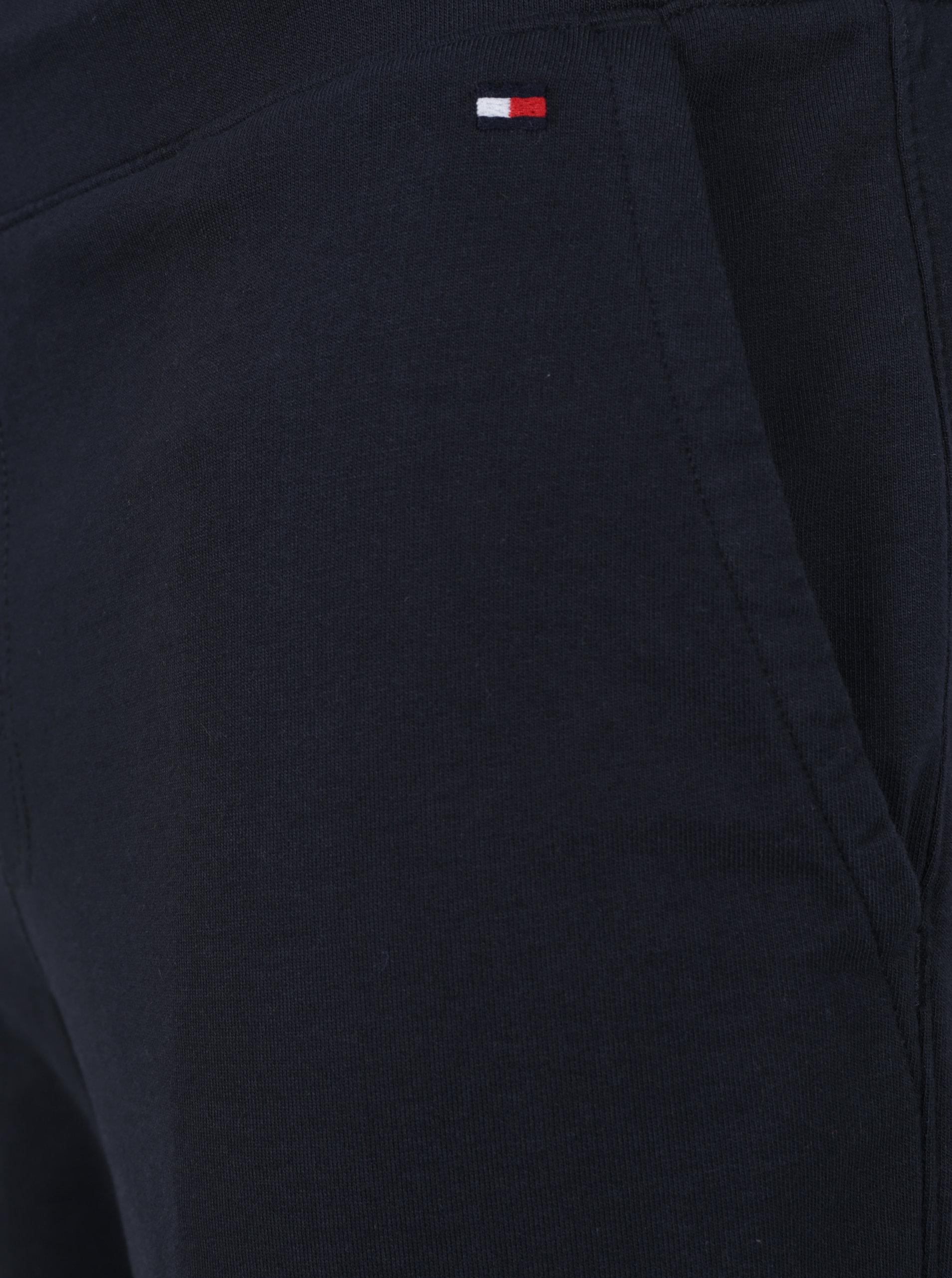 c1ffc802f7 Tmavě modré pánské kraťasy Tommy Hilfiger ...