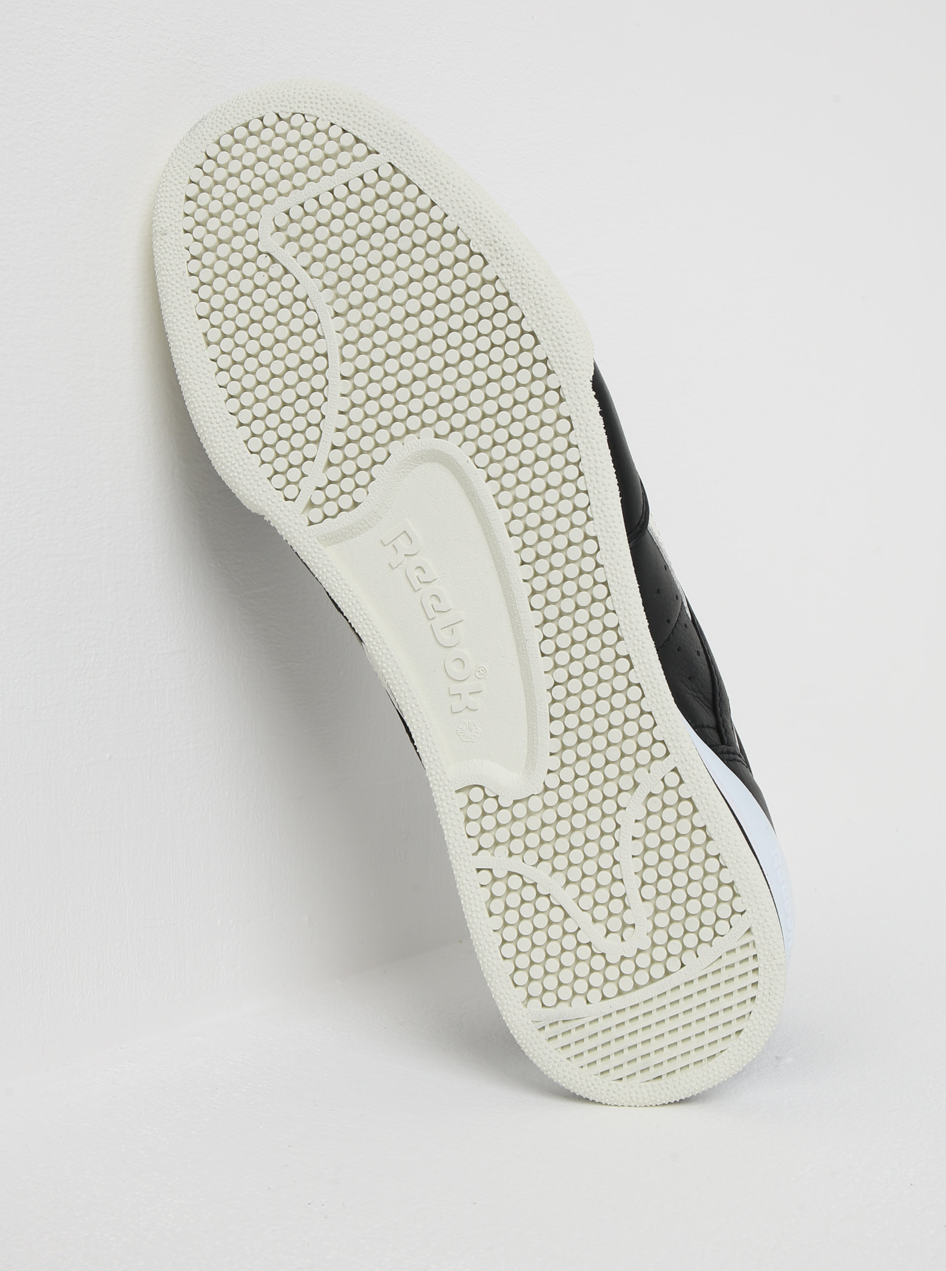Bielo-čierne pánske kožené tenisky Reebok Phase 1 Pro ... bad31e0c1db