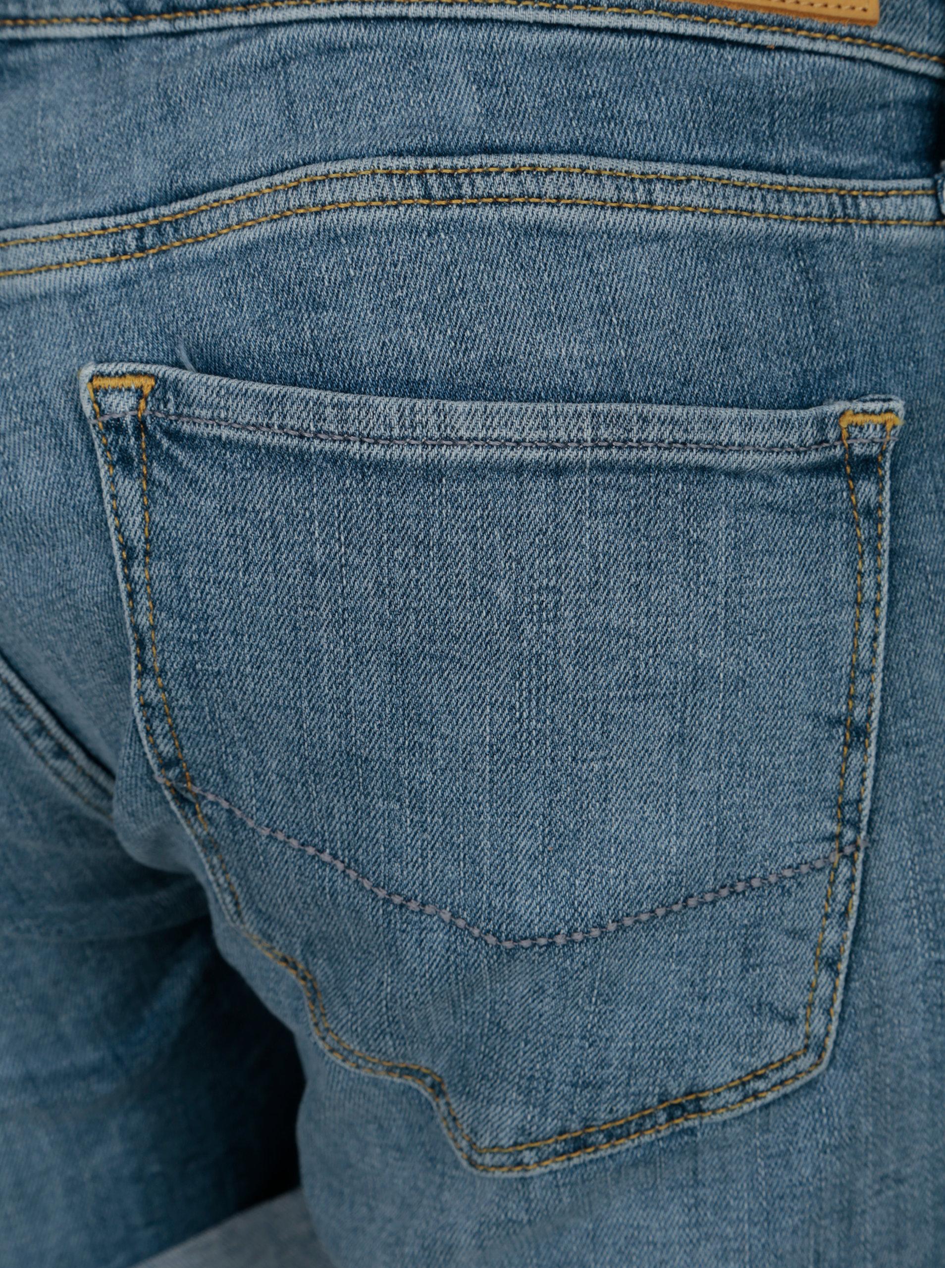 9f1ac5bd4ccd Modré dámske regular rifľové kraťasy s nízkym pásom Cross Jeans ...
