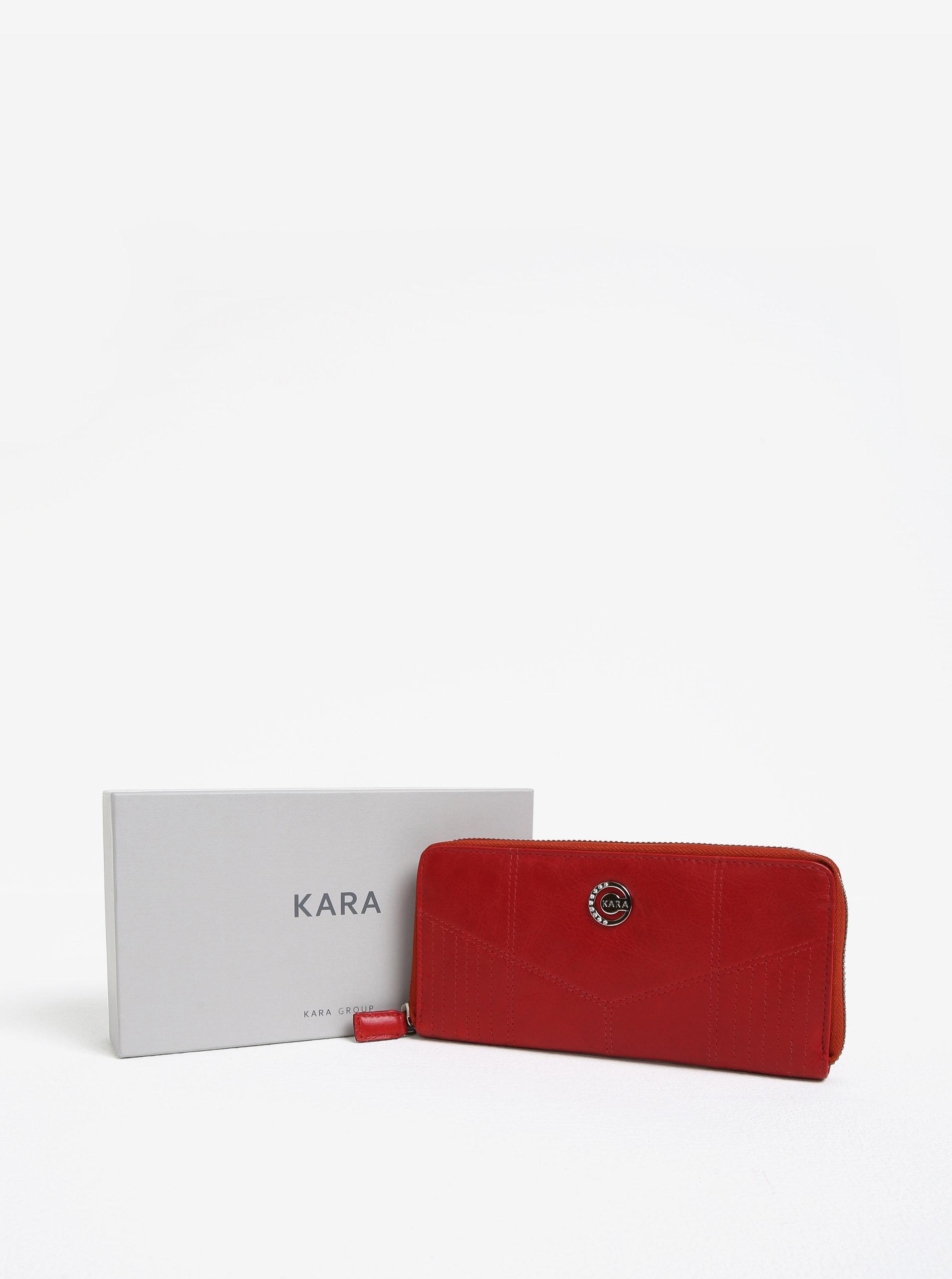 64914b03c4d4 Červená dámska veľká kožená peňaženka na zips KARA ...