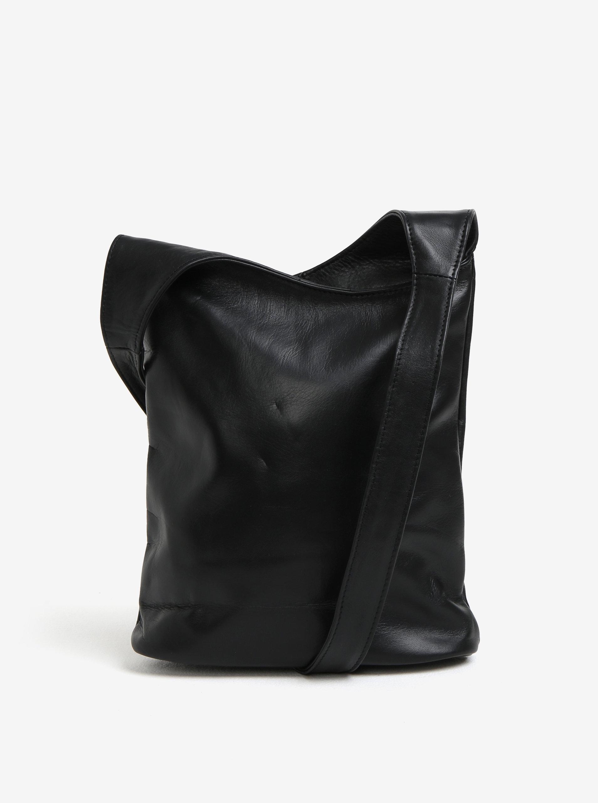 0482aab2b6 Čierna dámska kožená crossbody kabelka KARA ...