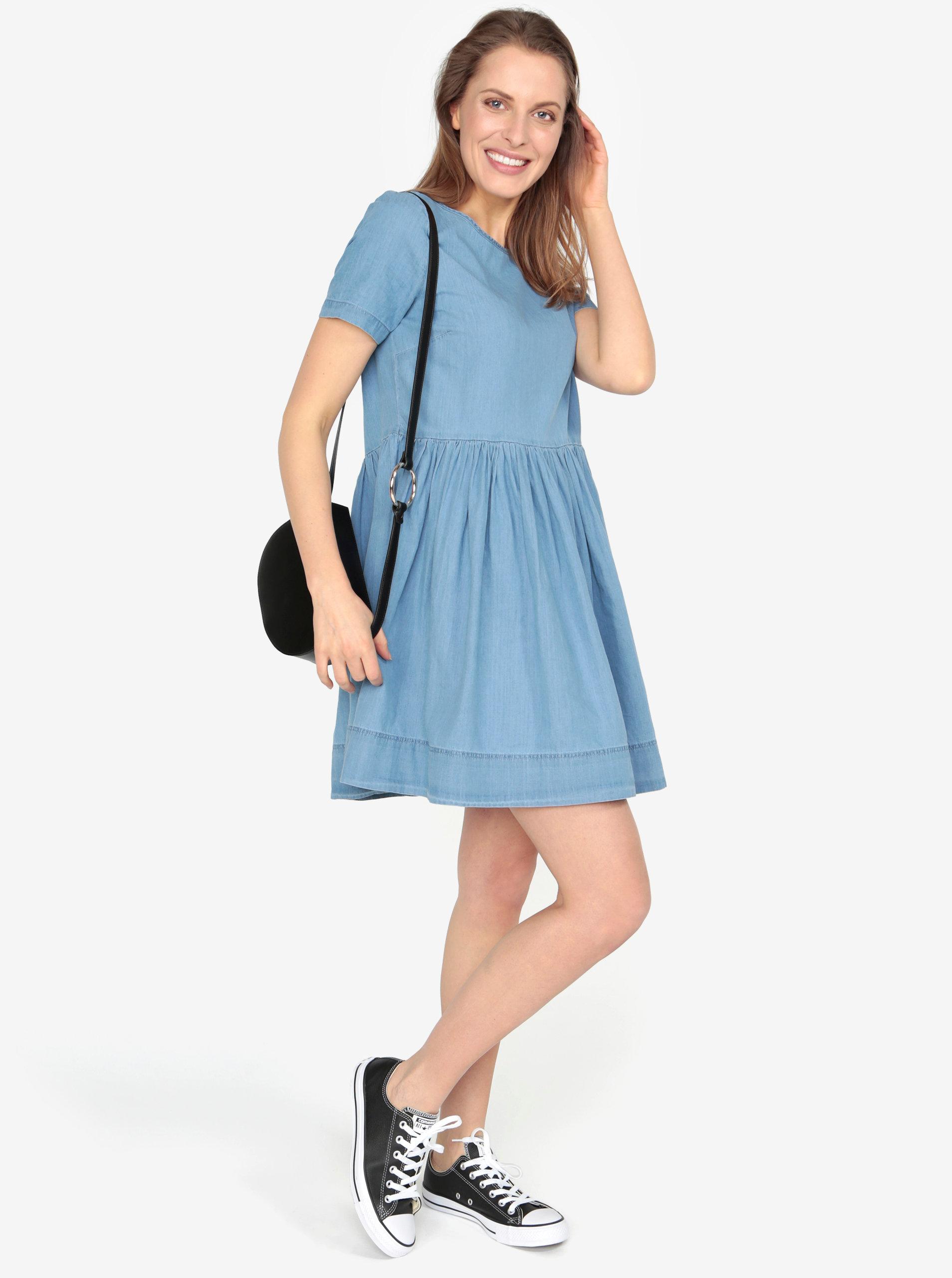 Světle modré volné džínové šaty VERO MODA Maya ... c43ce219e9