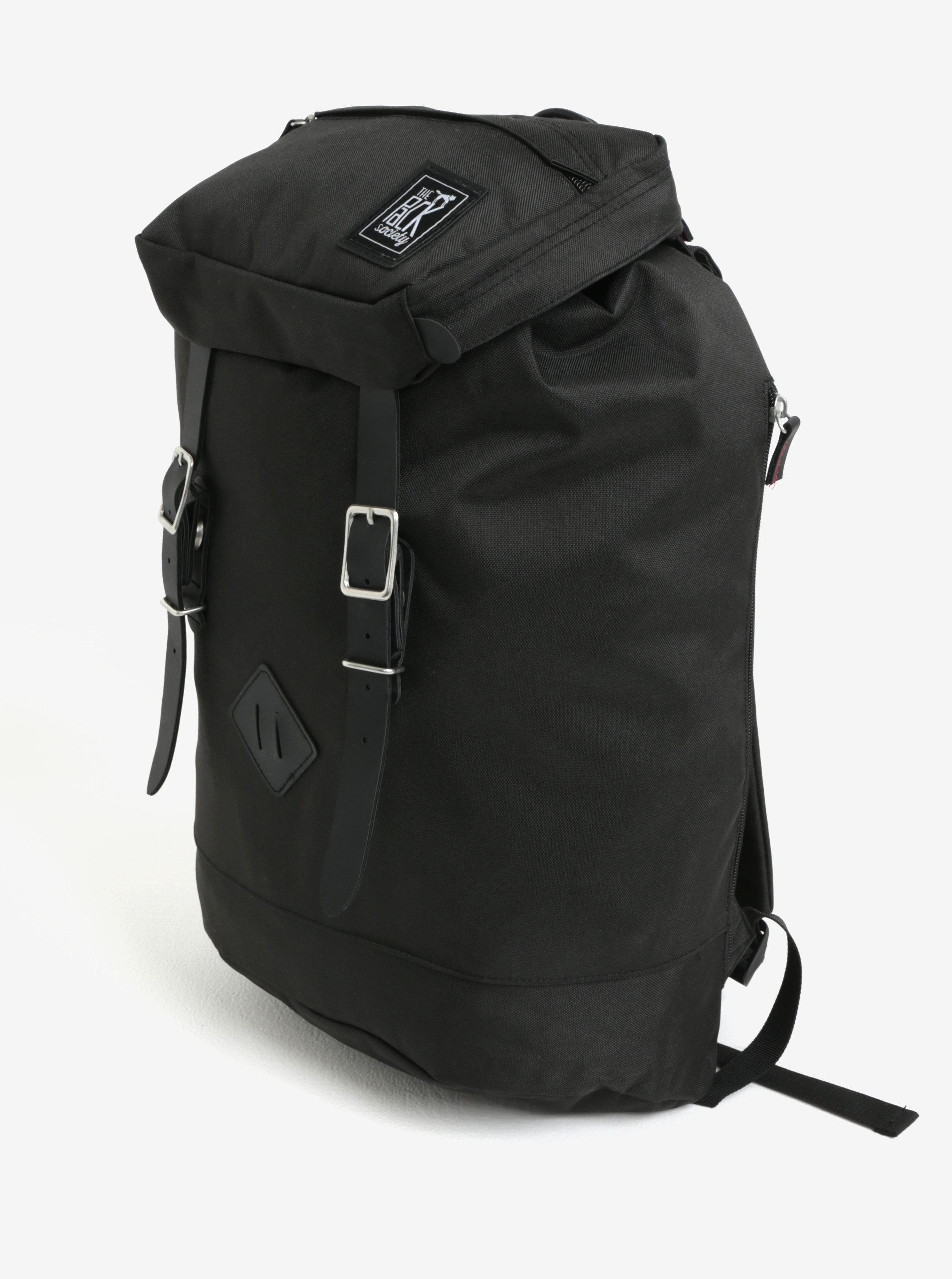 413e999dc45 Černý batoh s přezkami The Pack Society 18 l ...